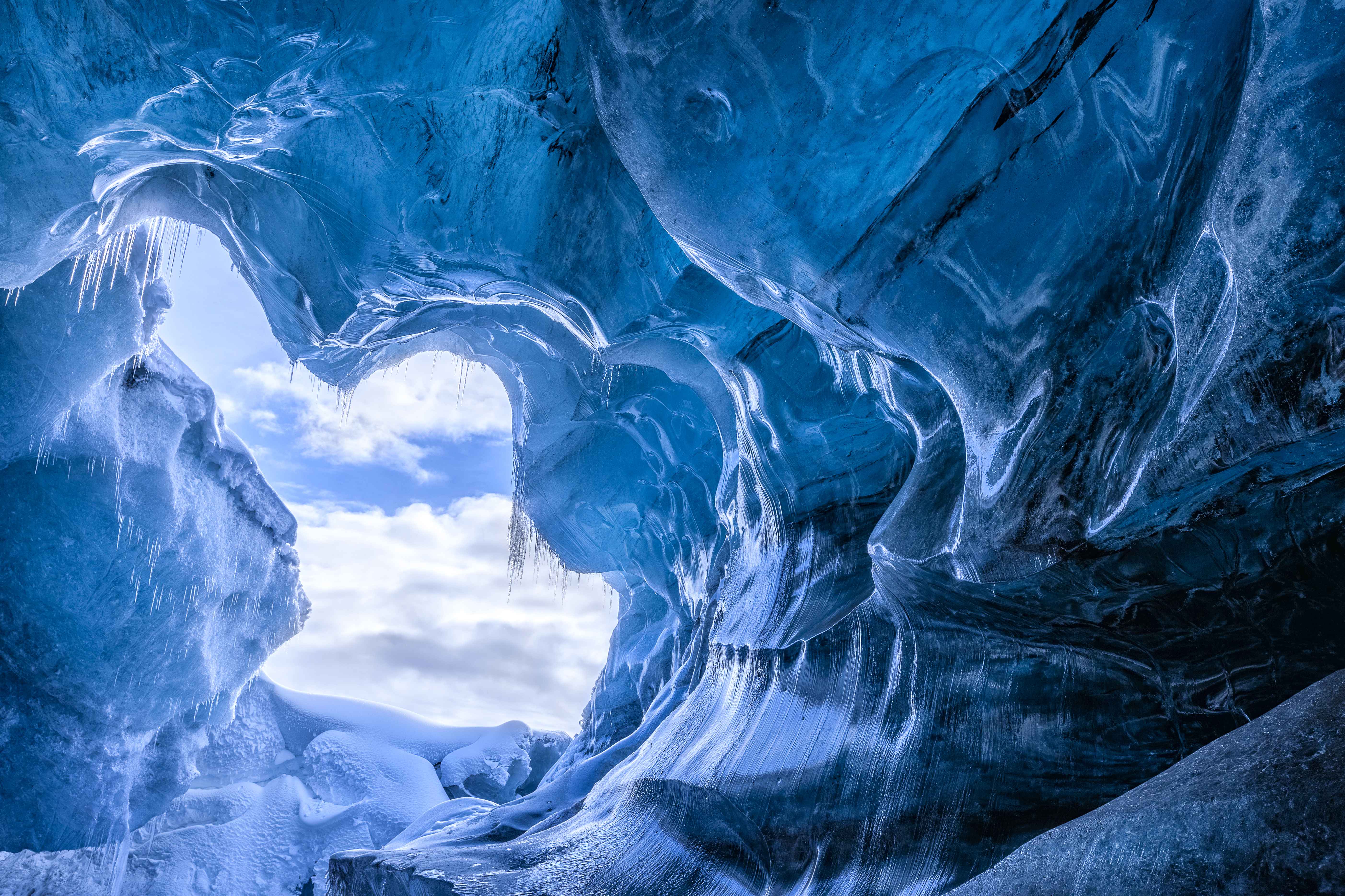 Nature Iceland Ice Cave 5611x3741