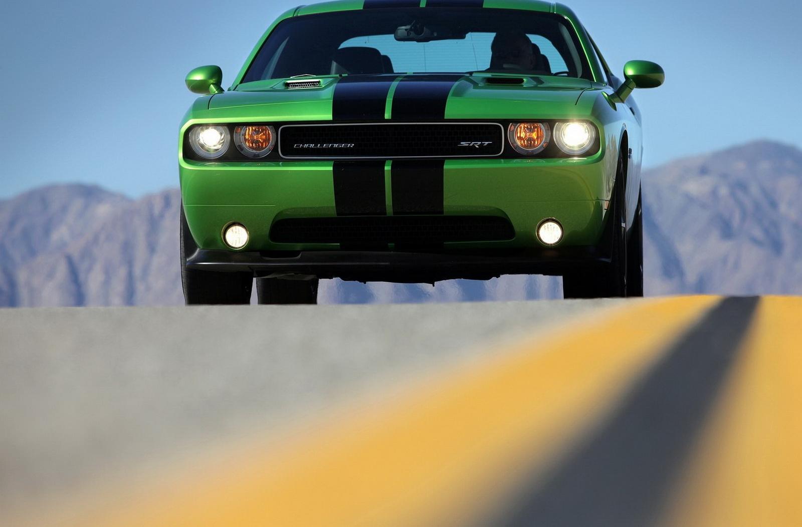 Vehicles Dodge Challenger SRT8 1600x1052
