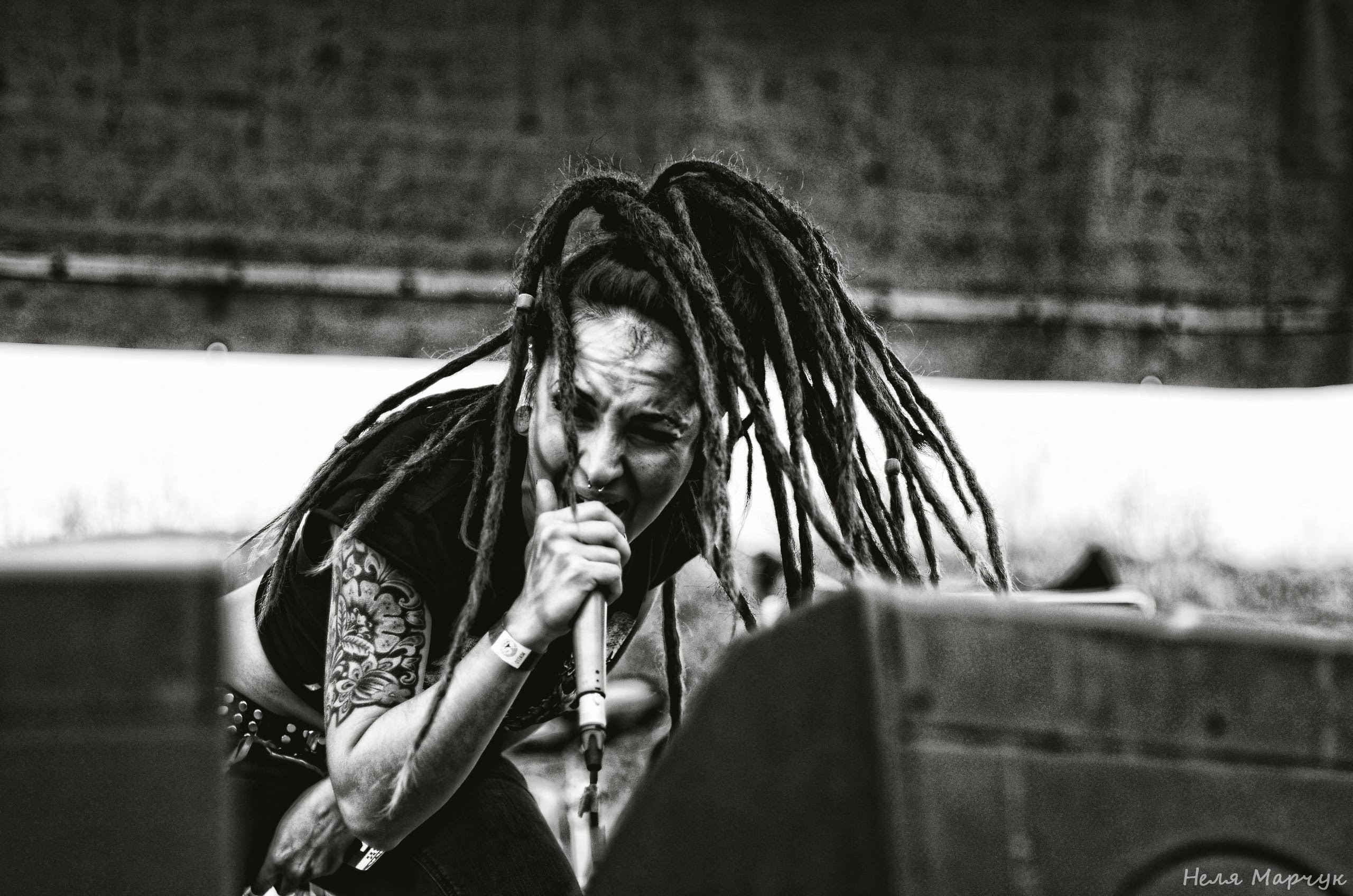 Jinjer Tatyana Shmayluk Metal Music Metal Band Dreadlocks Singing Screaming Women Face Monochrome Pi 2560x1696