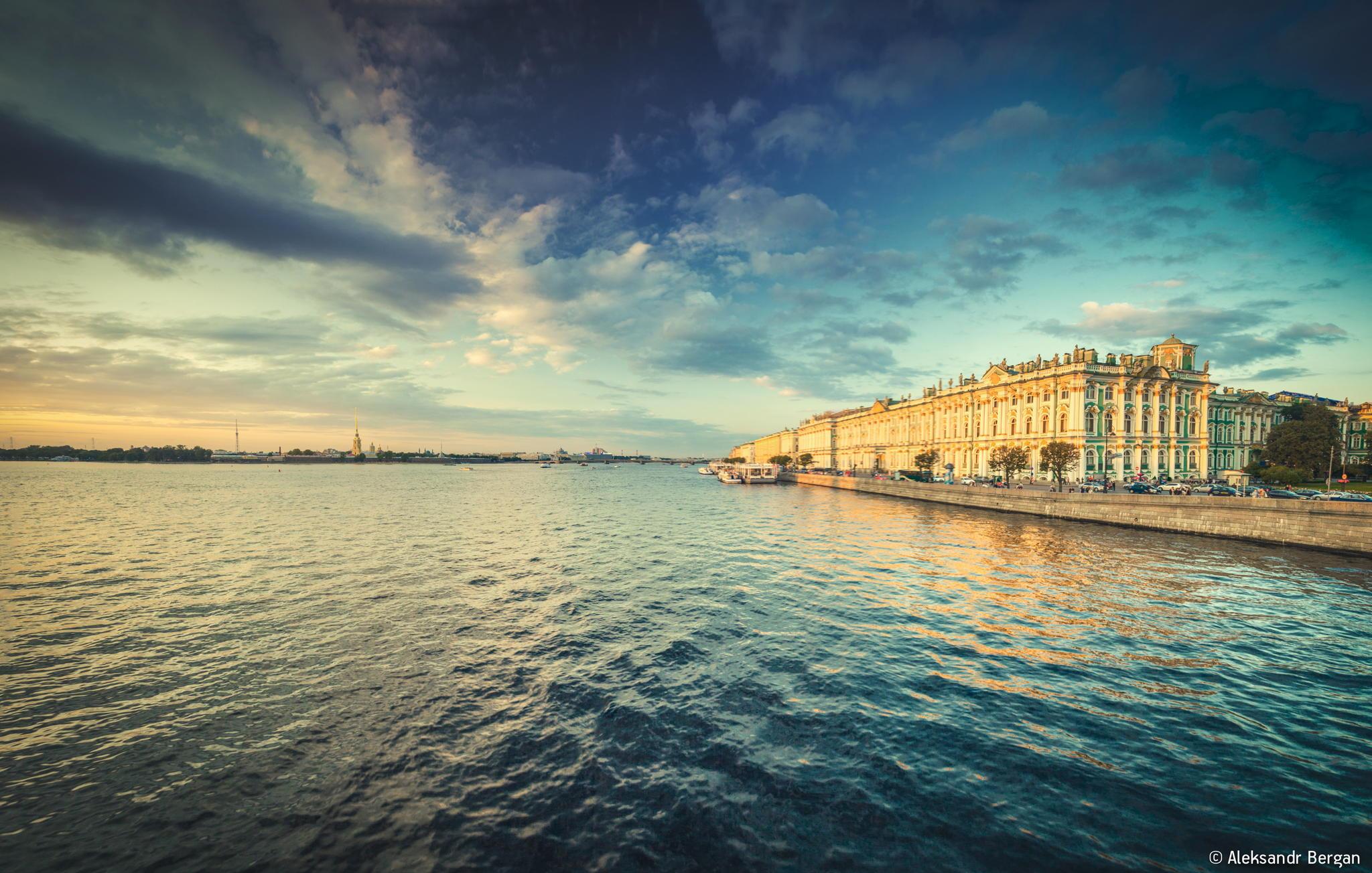 Man Made Saint Petersburg 2048x1304