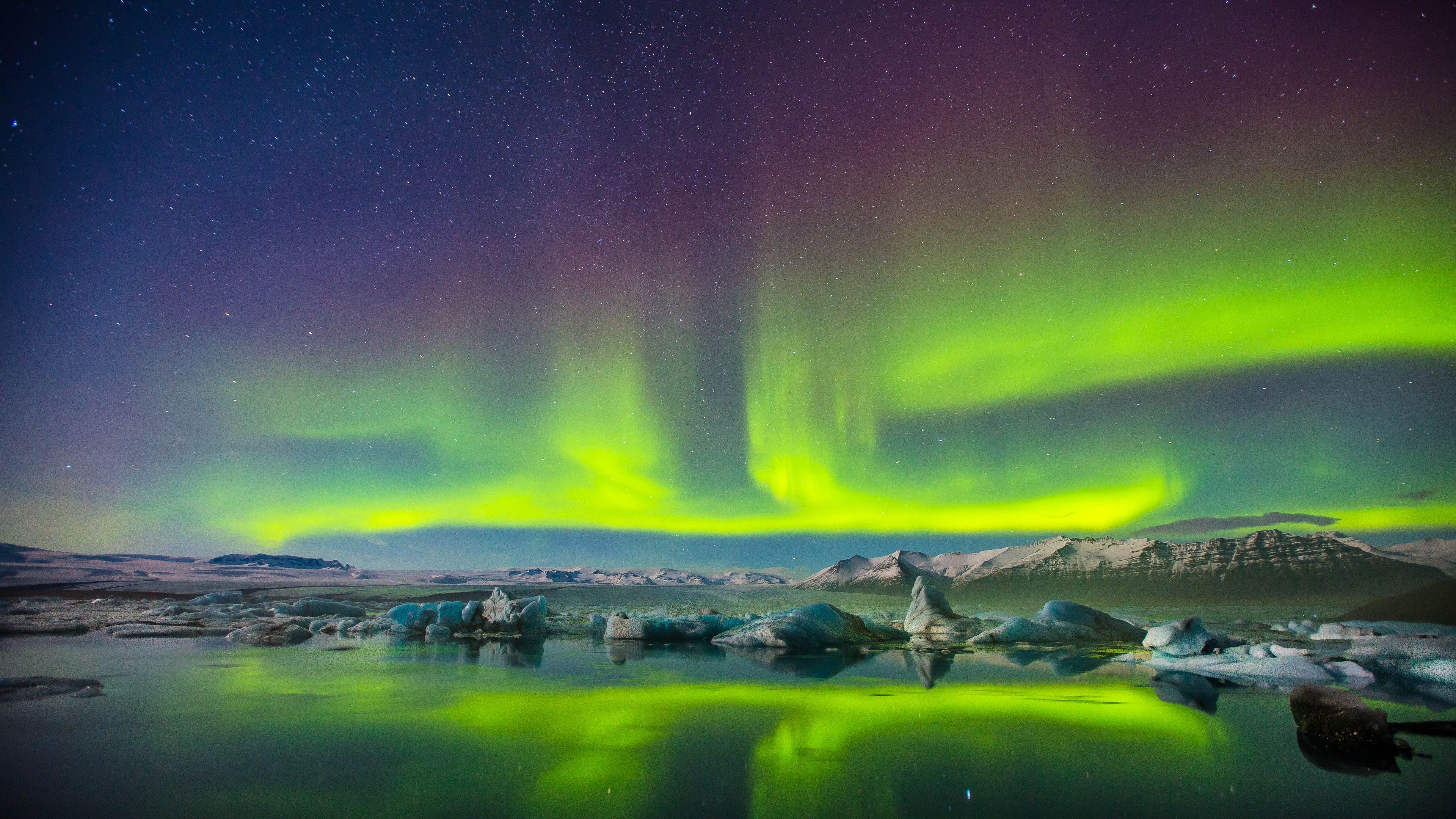 Aurora Borealis Night Snow 3840x2160