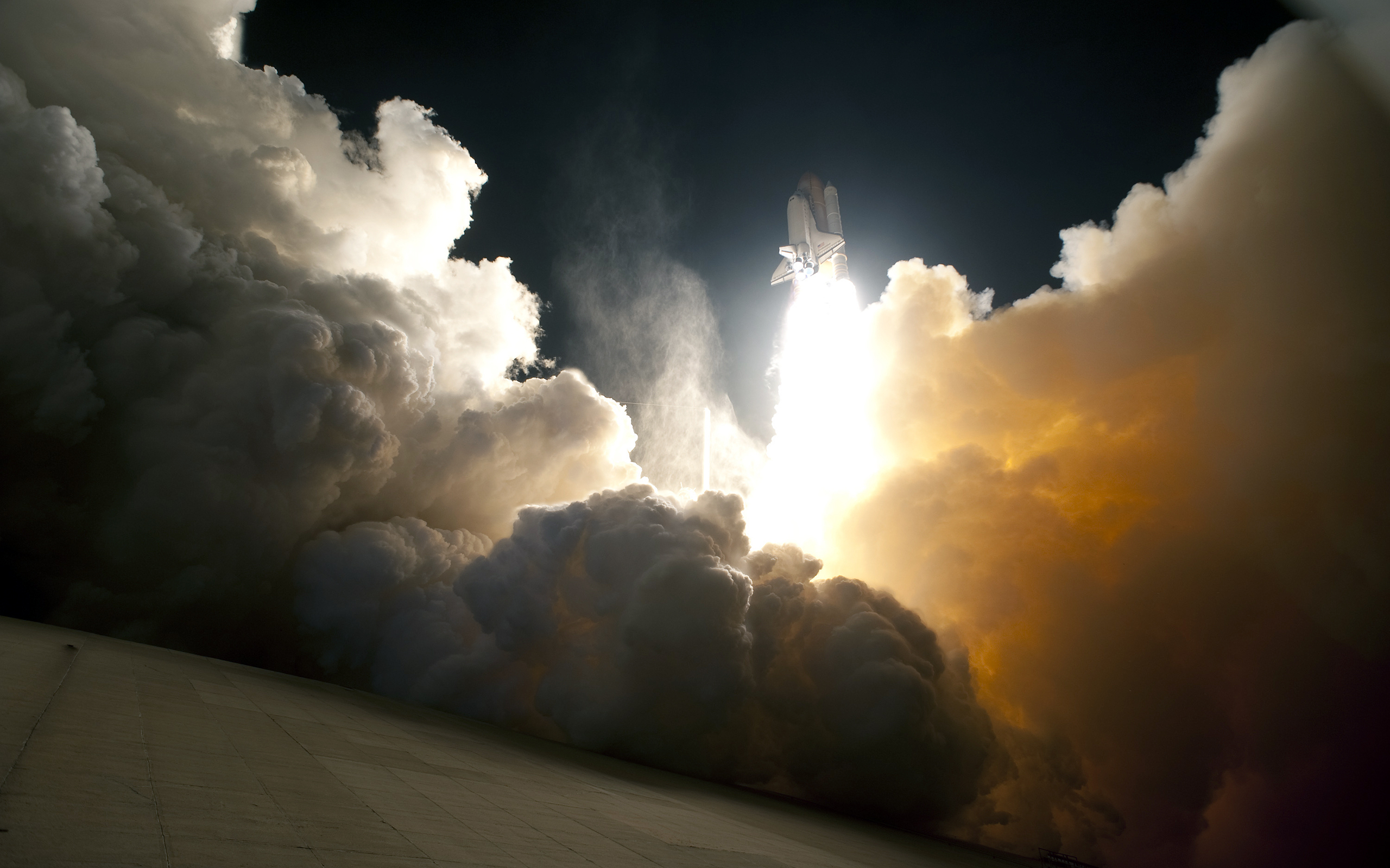 Space Shuttle 2560x1600