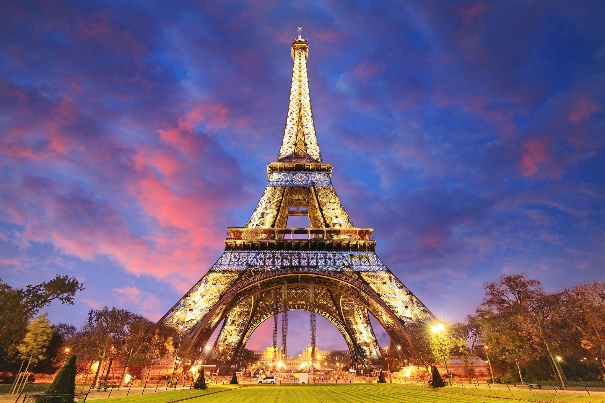 Eiffel Tower Paris Sunset Wallpaper Resolution 2048x1365 Id 960159 Wallha Com