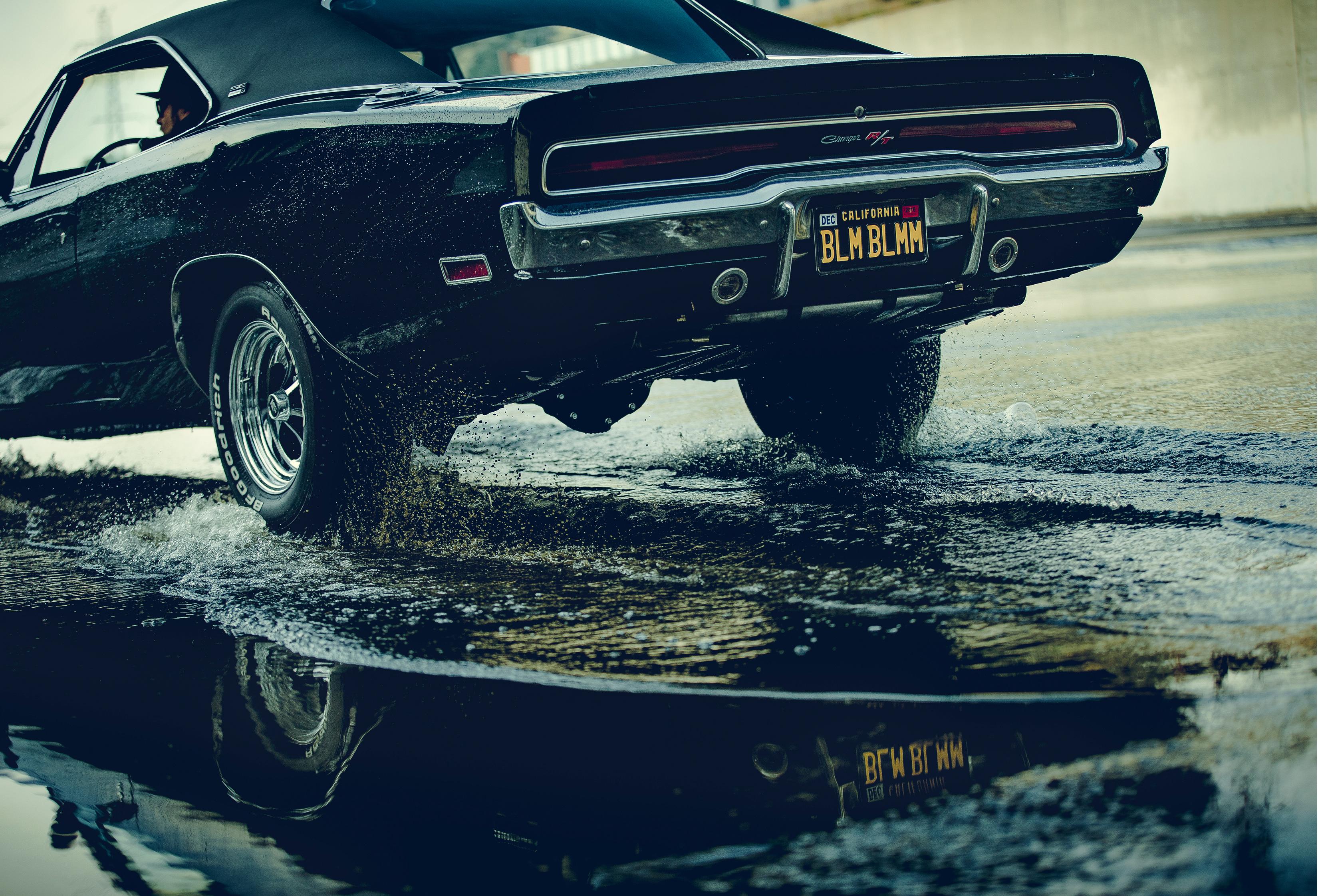 Black Car Reflection Water 3300x2244