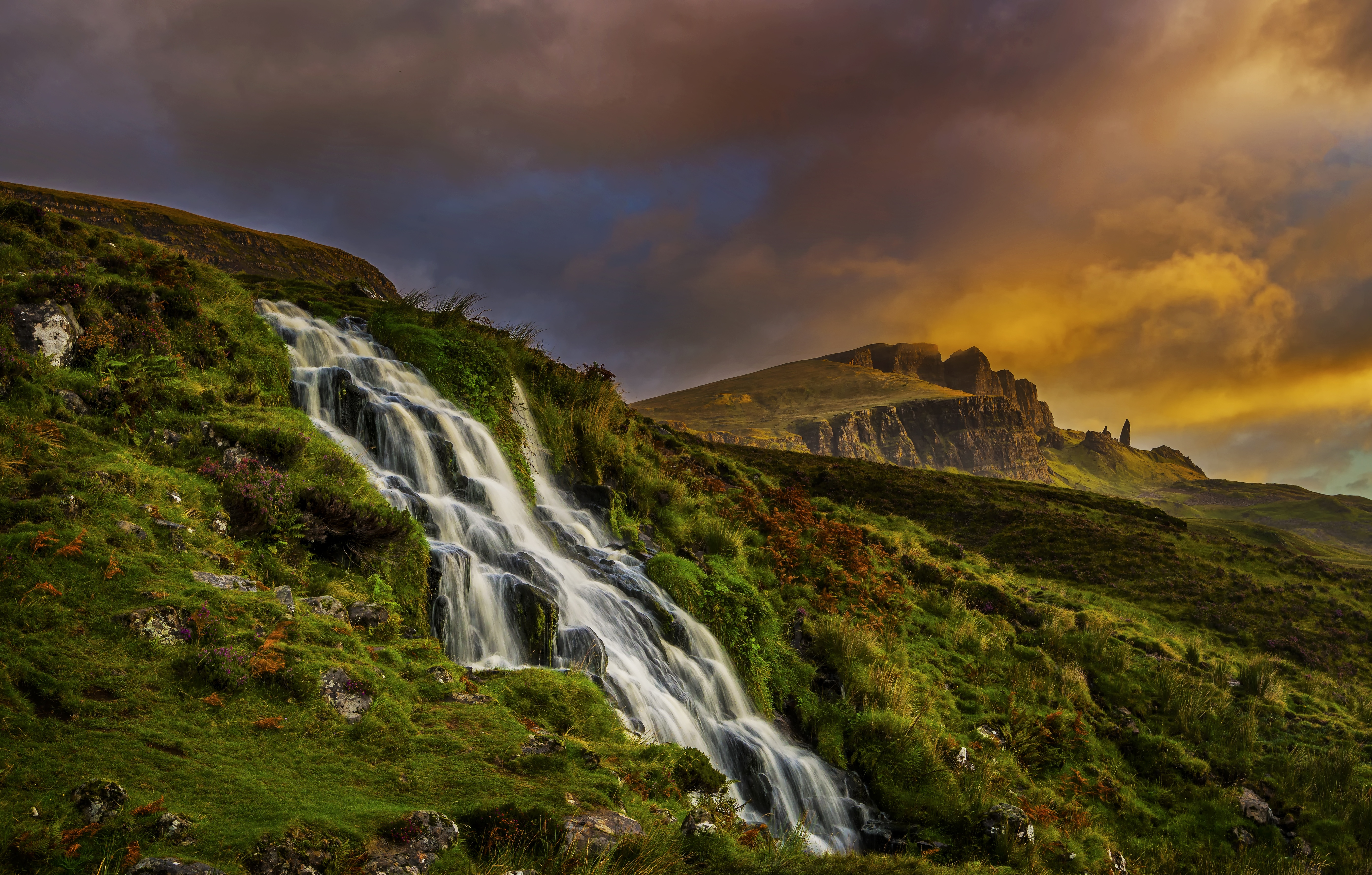 Cloud Mountain Scotland 5573x3554
