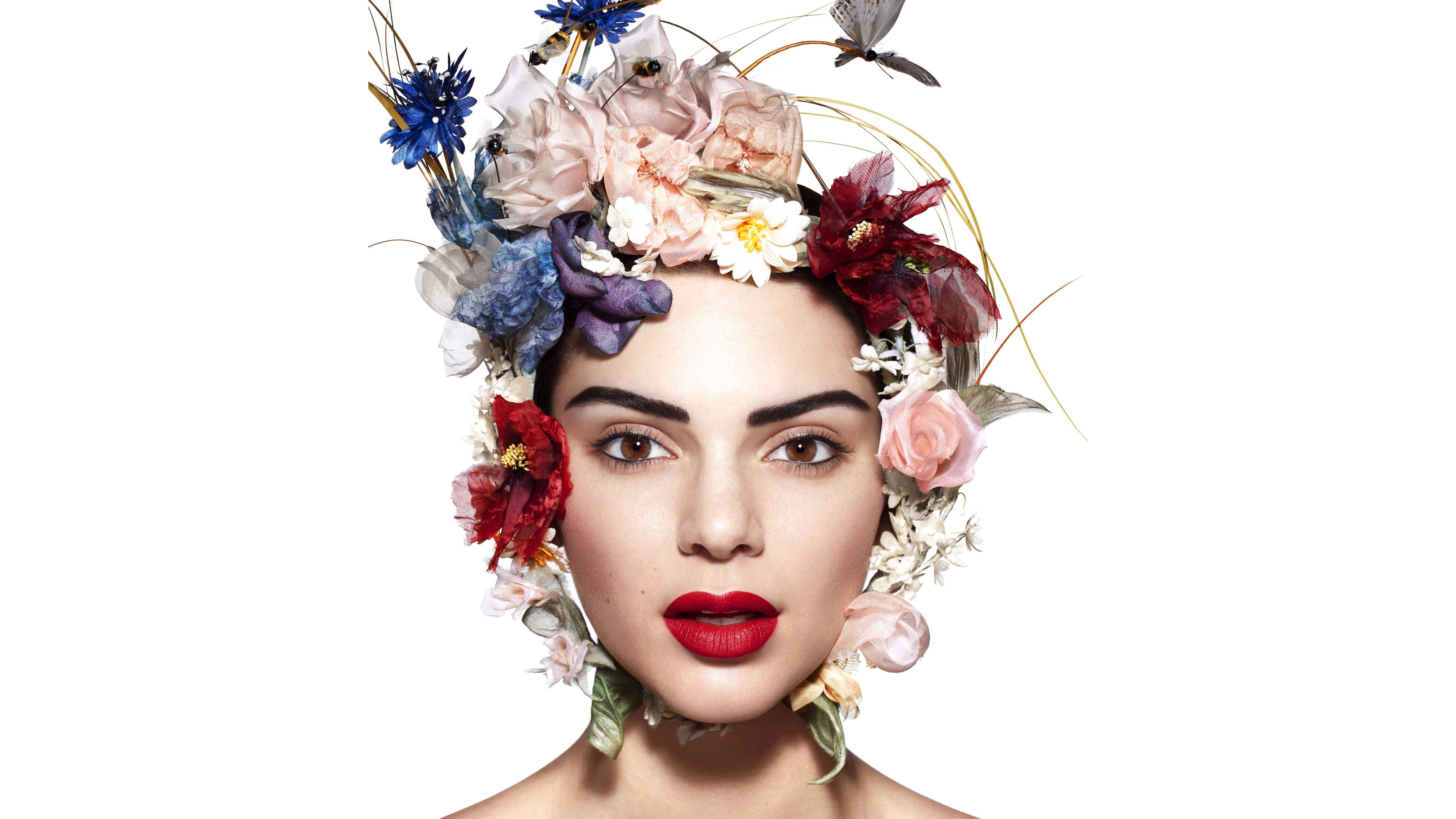 American Brown Eyes Face Flower Kendall Jenner Lipstick Model Wreath 5333x3000