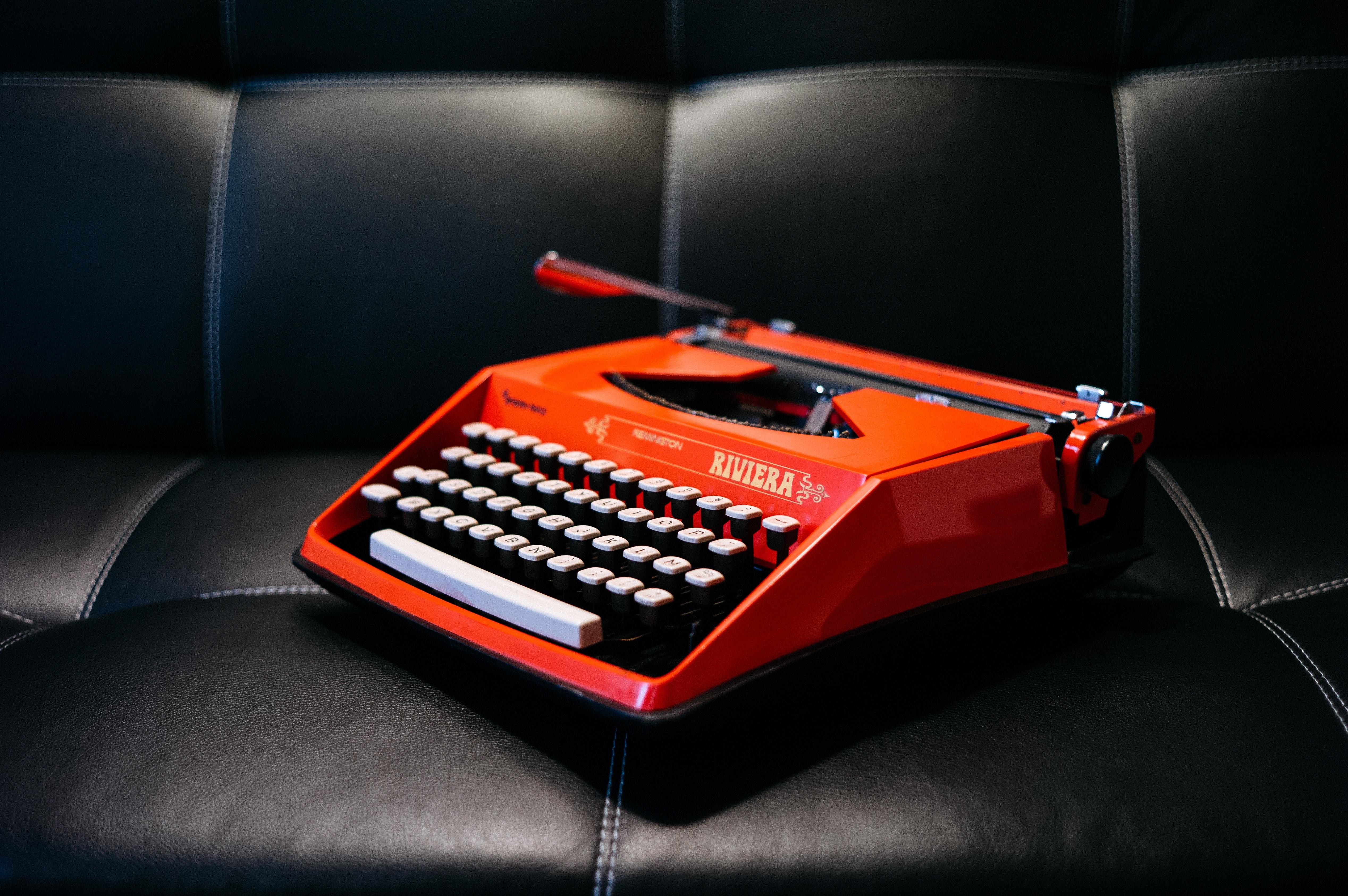 Typewriter 5072x3375