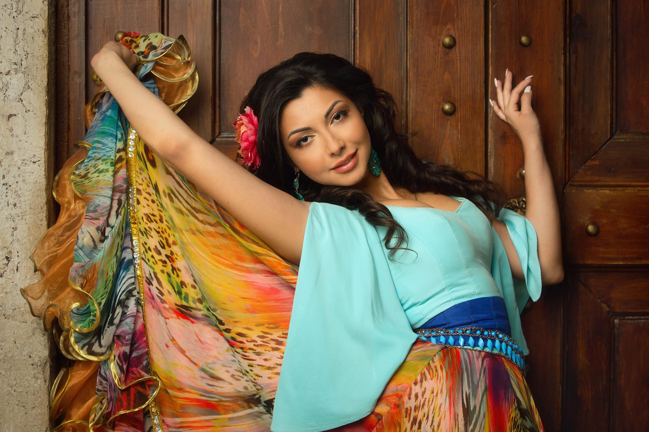 Brunette Girl Gypsy Skirt 2175x1450