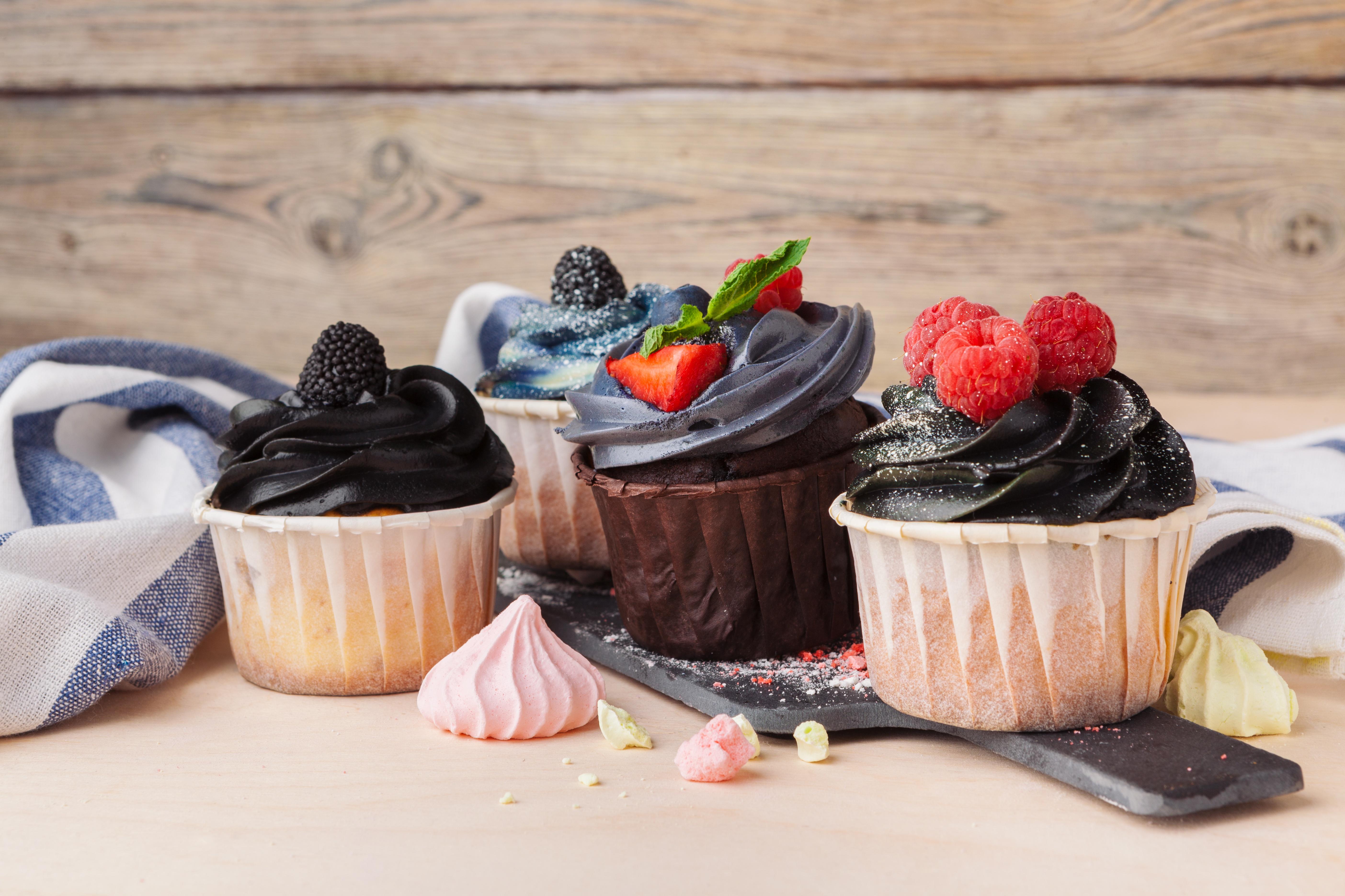 Berry Cupcake Dessert 5616x3744