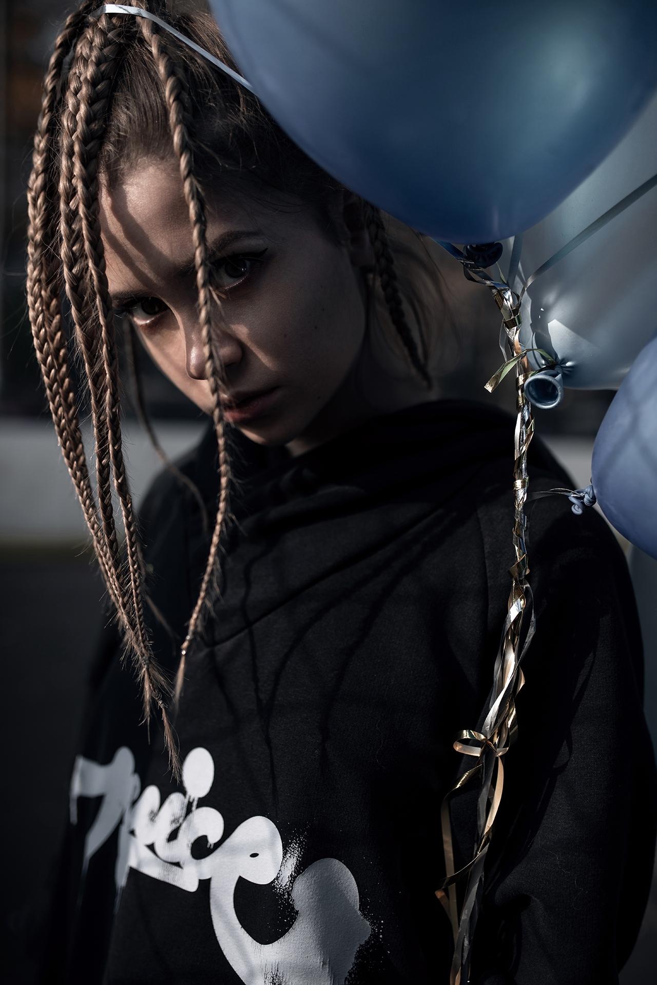 Yuriy Lyamin Women Ksenia Kokoreva Brunette Long Hair Braids Hoods Black Clothing Balloon Silver Out 1280x1920