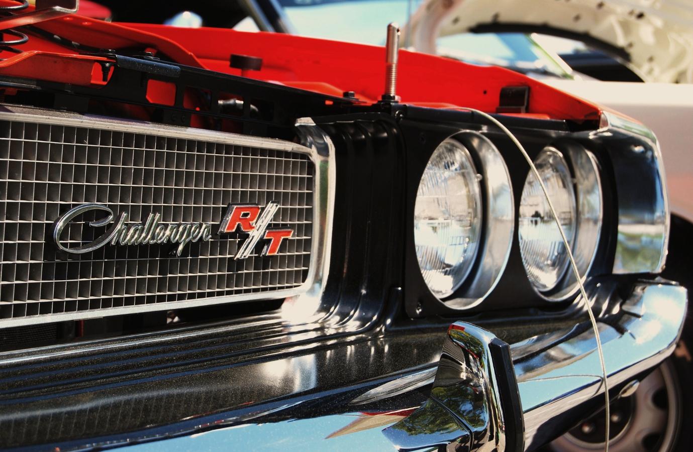 Vehicles Dodge Challenger RT 1379x900