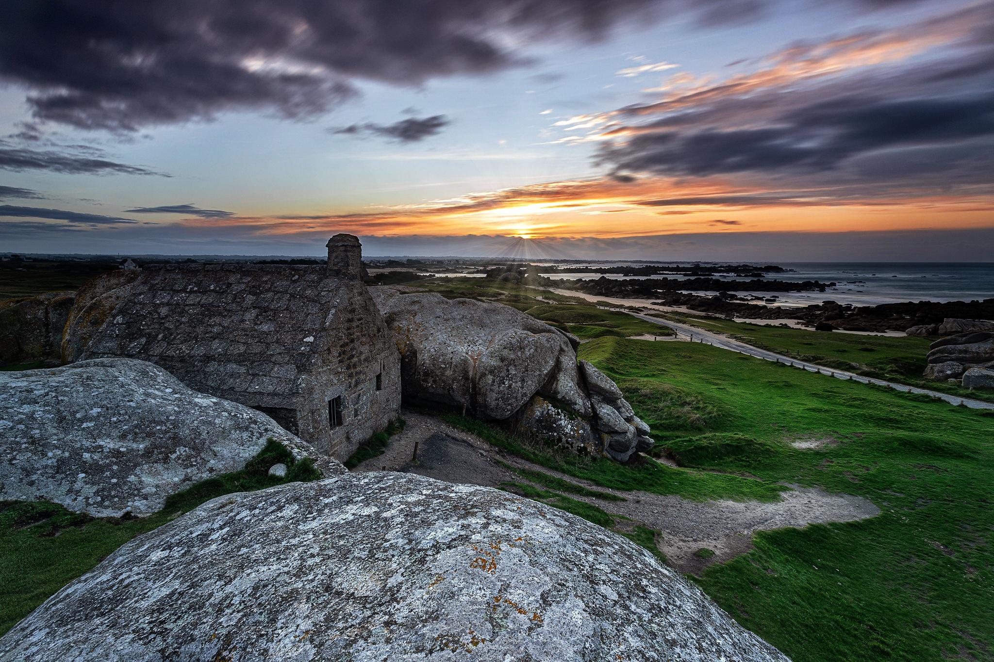 Beach House Rock Sunset 2048x1365