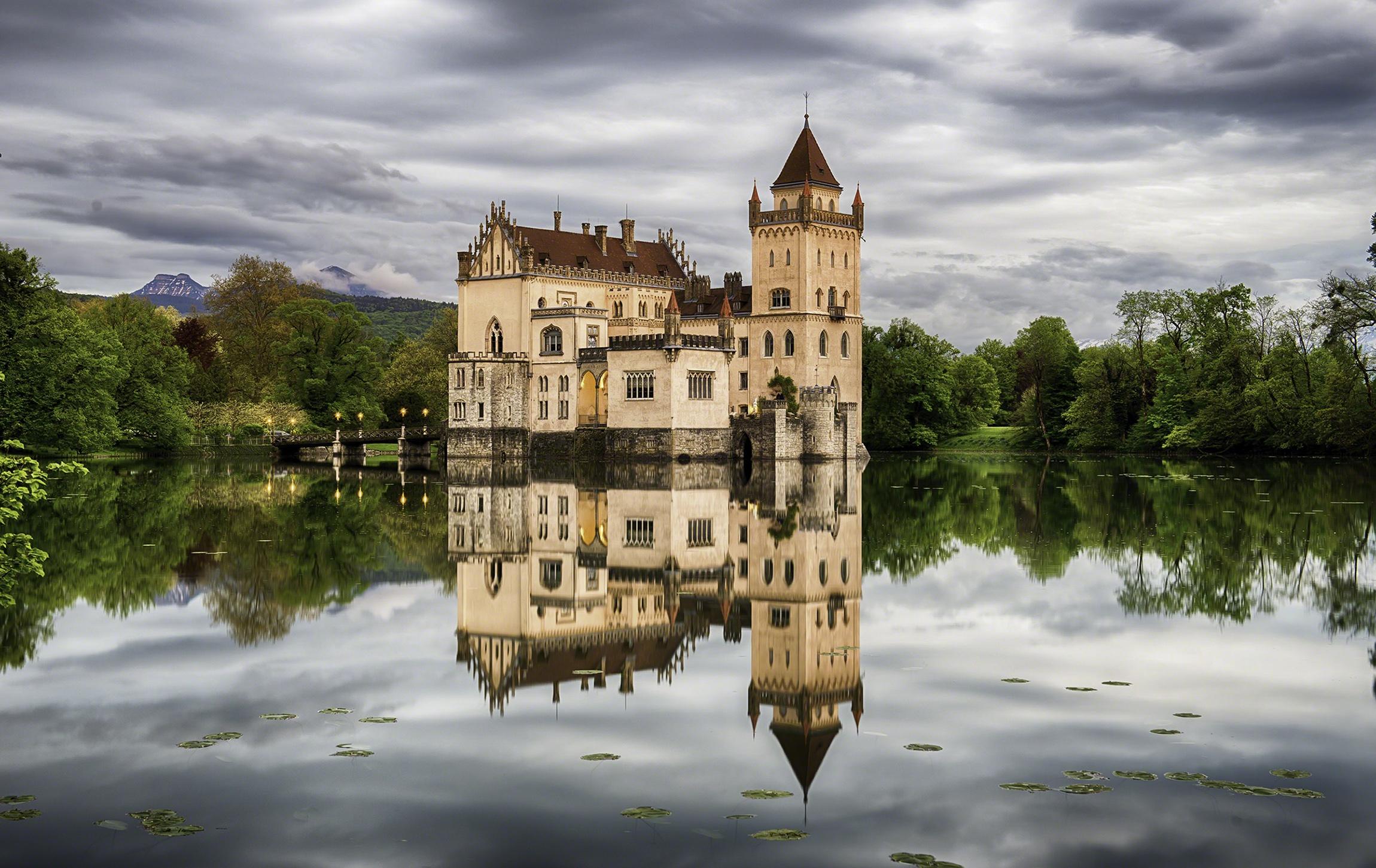 Building Castle Lake Reflection 2300x1450