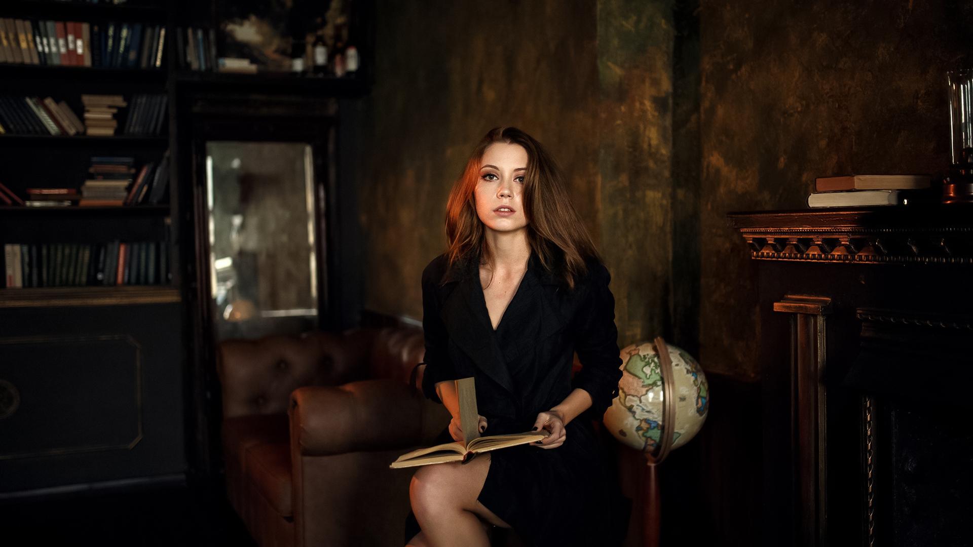 Alexey Kishechkin Women Ksenia Kokoreva Brunette Looking At Viewer Black Clothing Books Globe Indoor 1920x1080