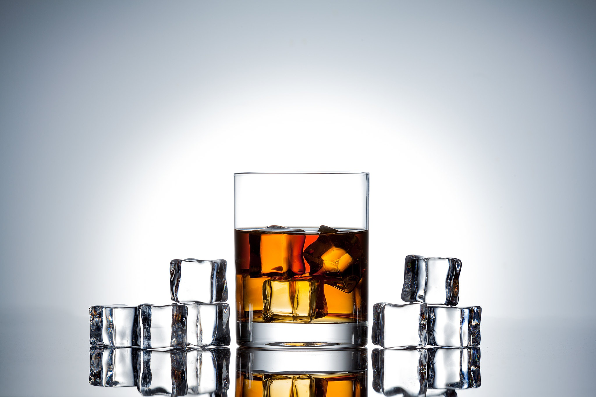 Alcohol Drink Glass Ice Cube Whisky 2048x1366