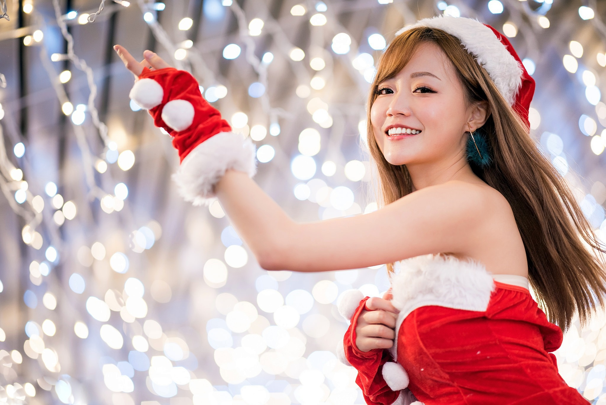 Asian Bokeh Brunette Girl Light Model Smile Woman 2048x1367