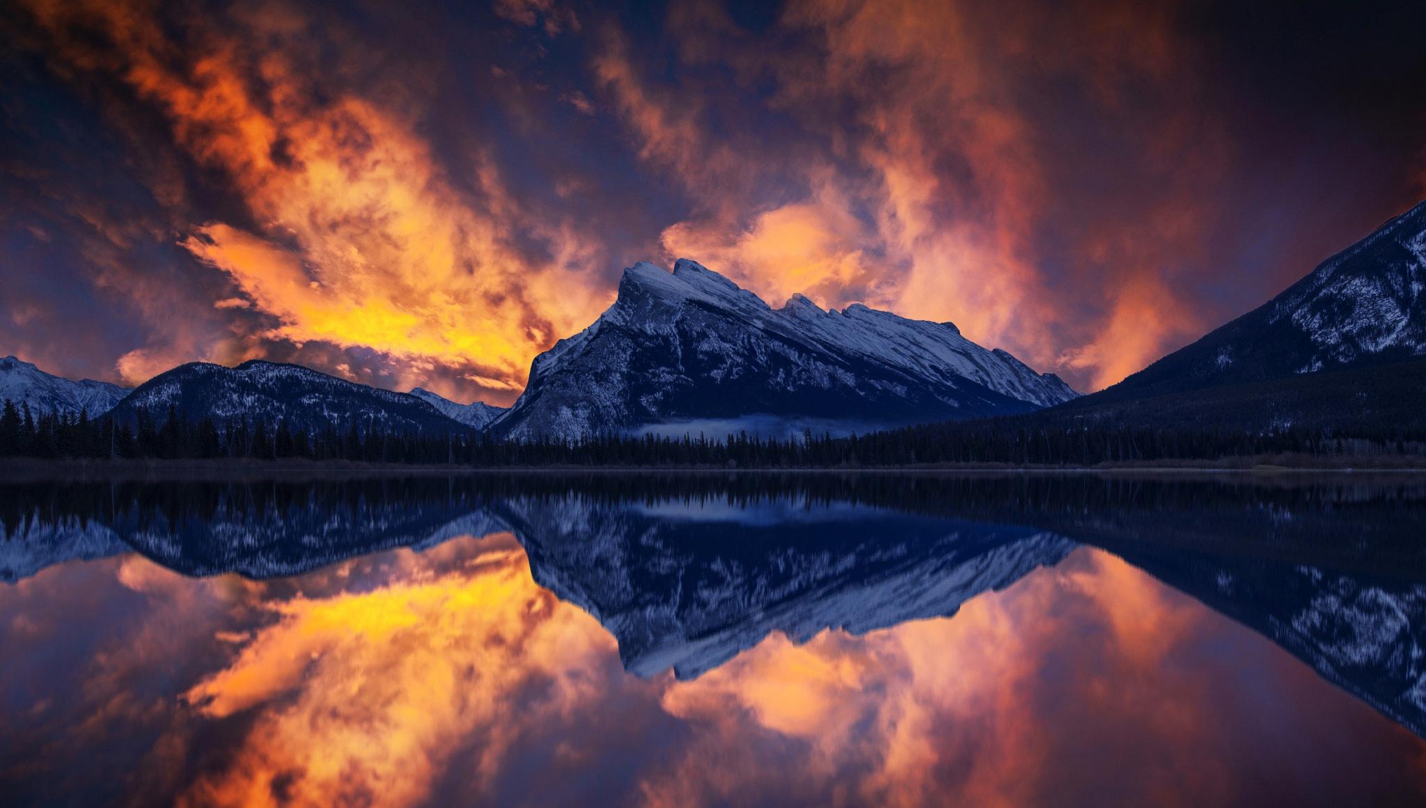 Lake Mountain Nature Reflection 2048x1161