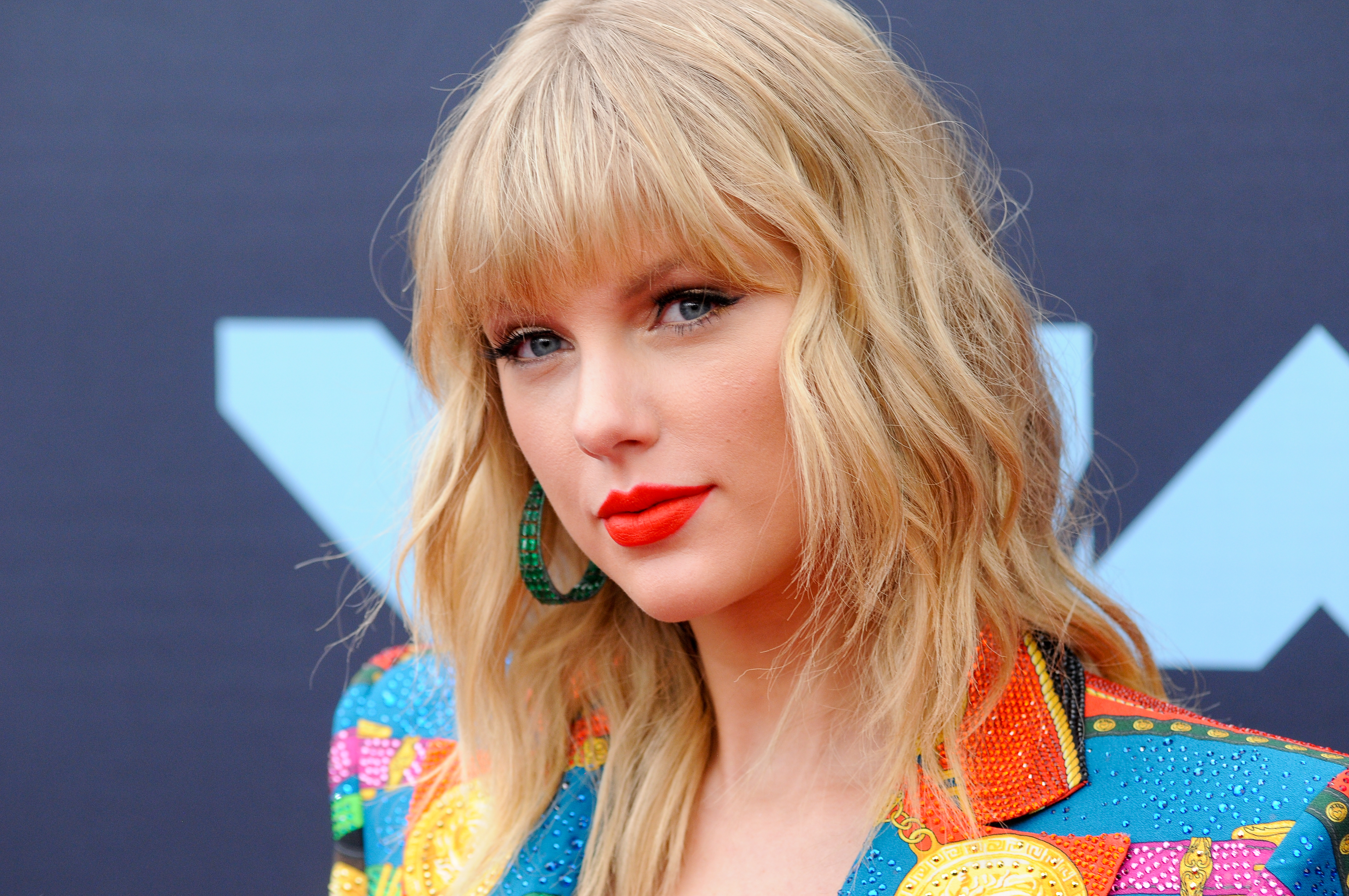 American Blonde Close Up Face Lipstick Singer Taylor Swift 4288x2848