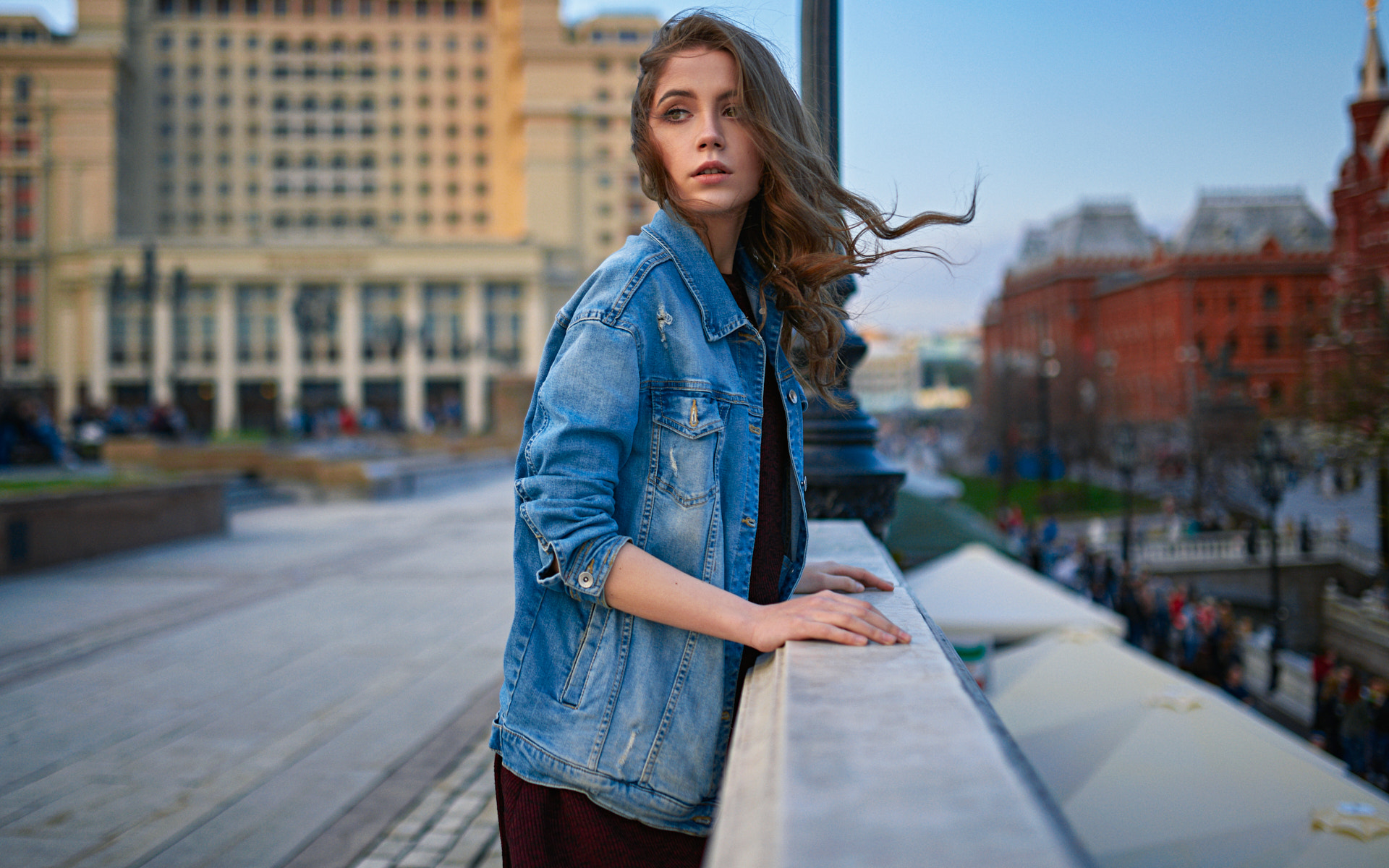 Sergey Fat Women Ksenia Kokoreva Brunette Long Hair Wavy Hair Wind Looking Away Denim Jacket Outdoor 1920x1200