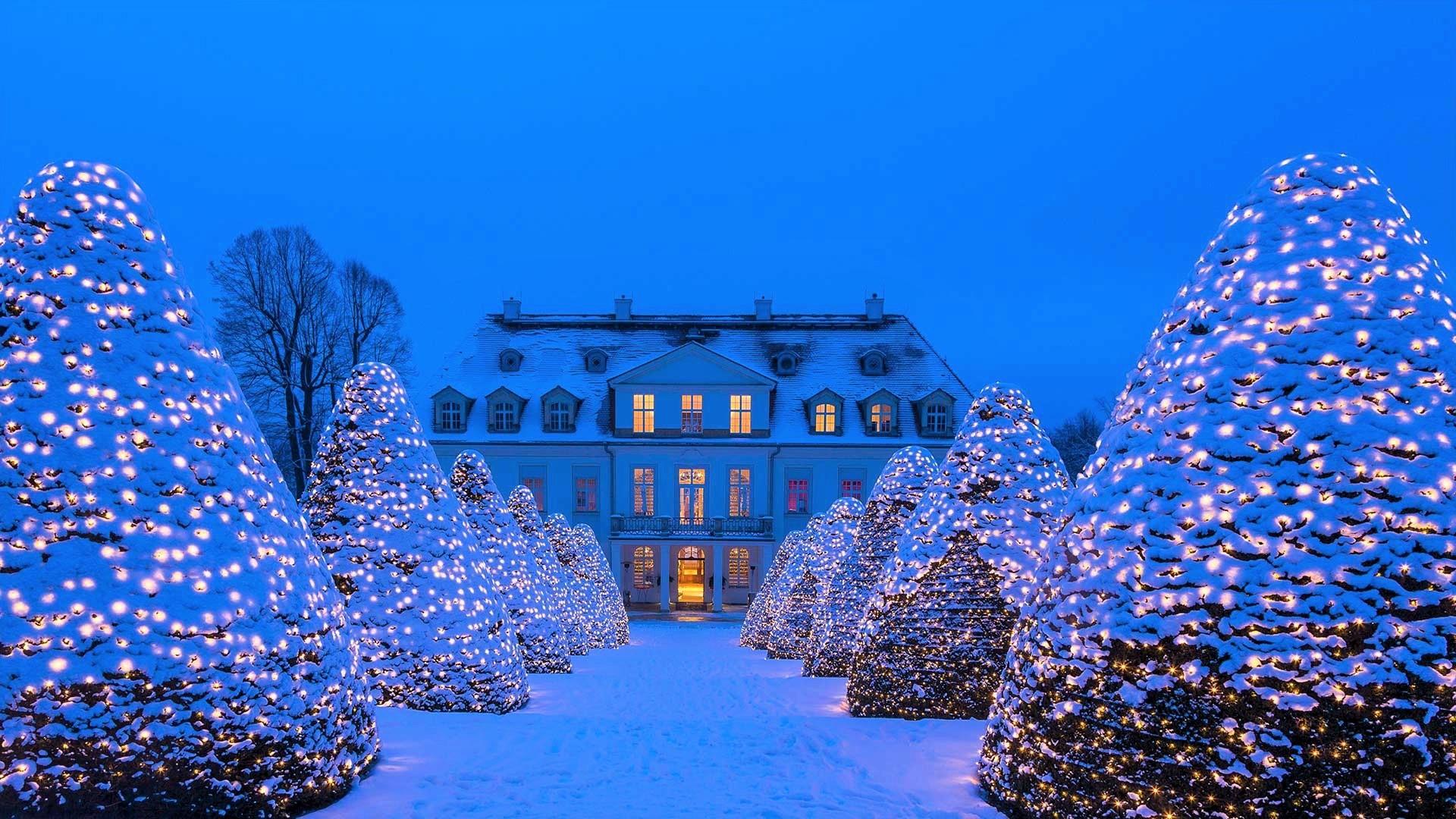 Christmas Tree Germany Light Palace Snow White 1920x1080