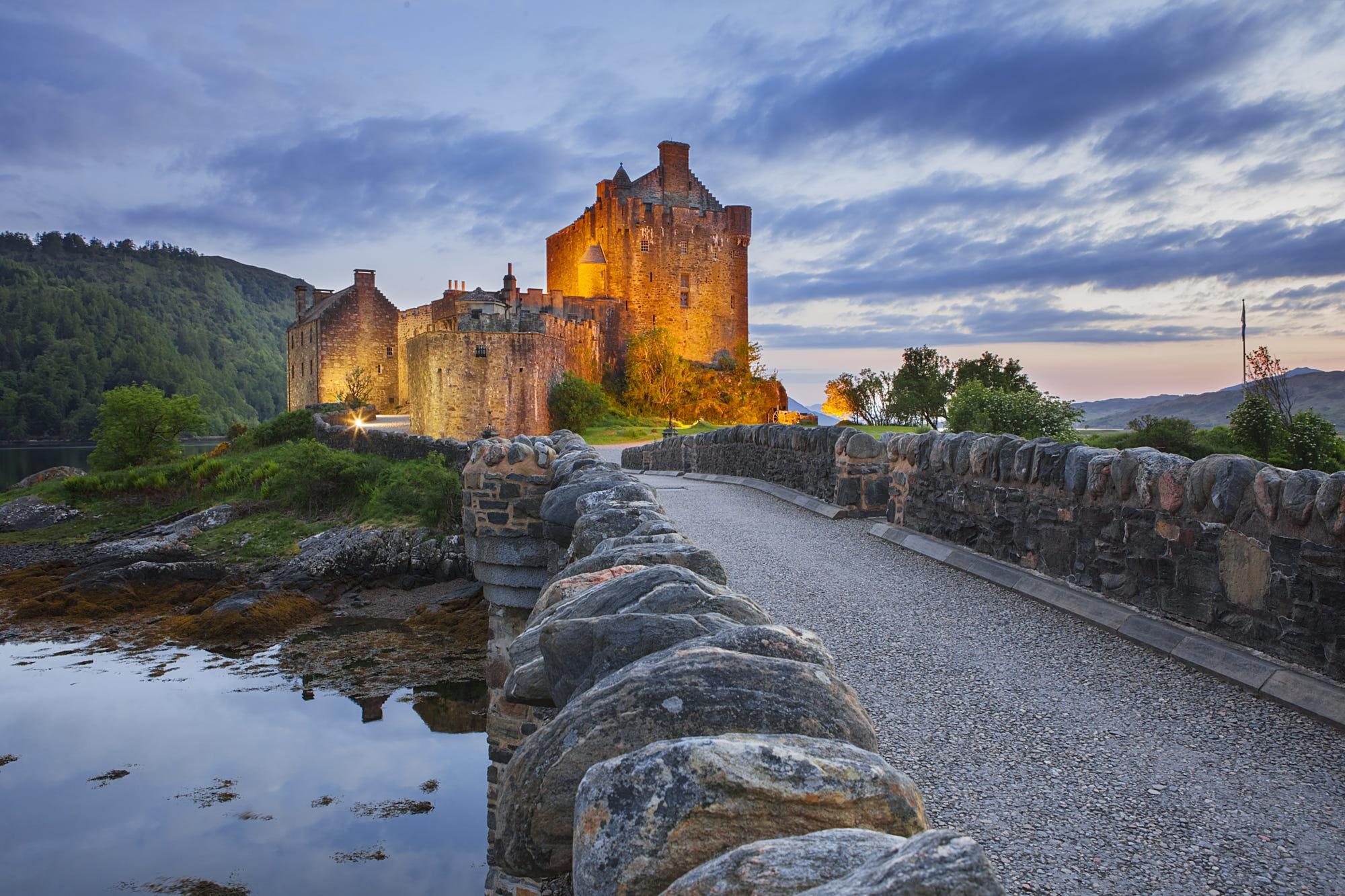 Castle Eilean Donan Castle Scotland 2000x1333