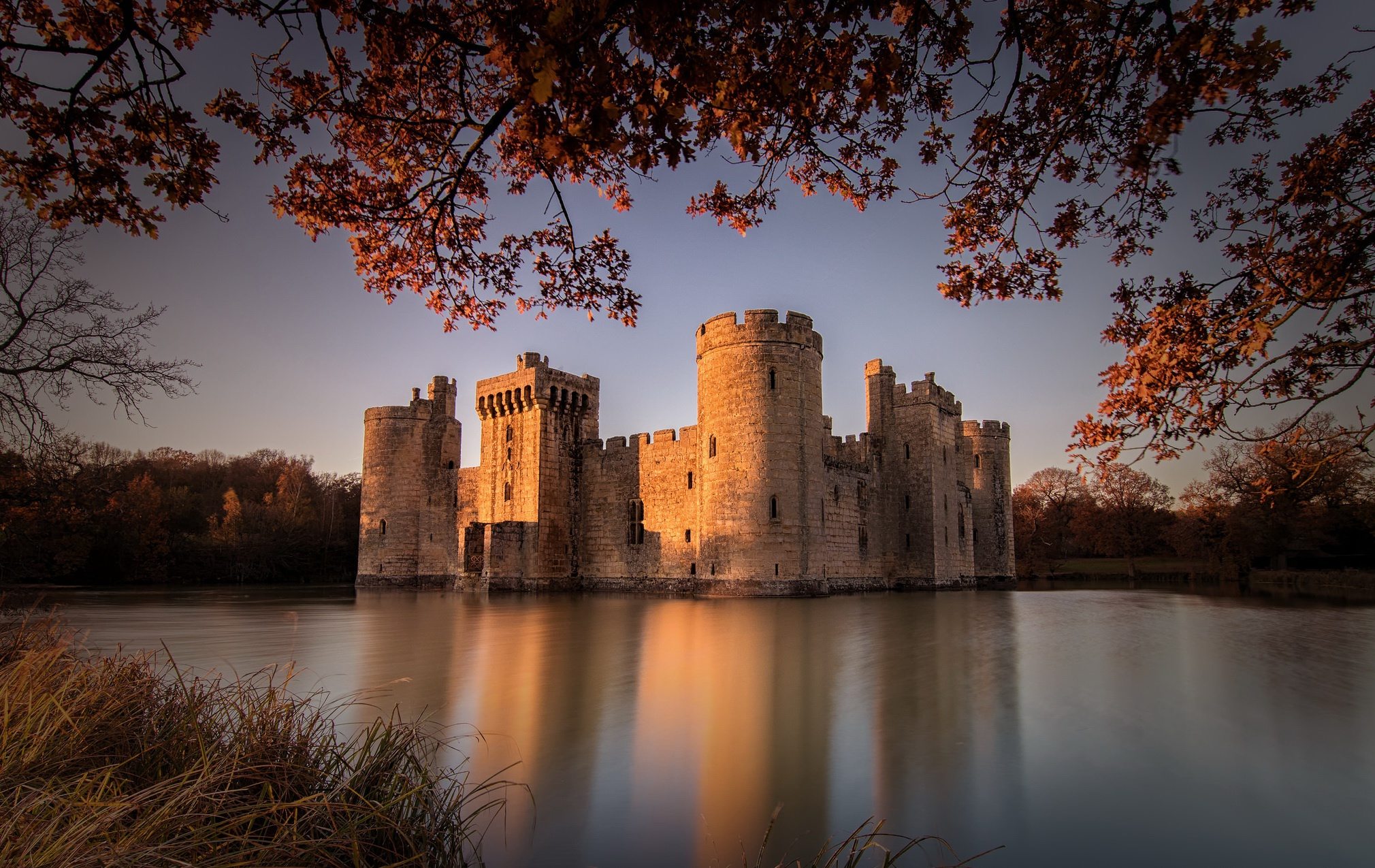 Bodiam Castle Building Castle England Lake Reflection 2020x1275