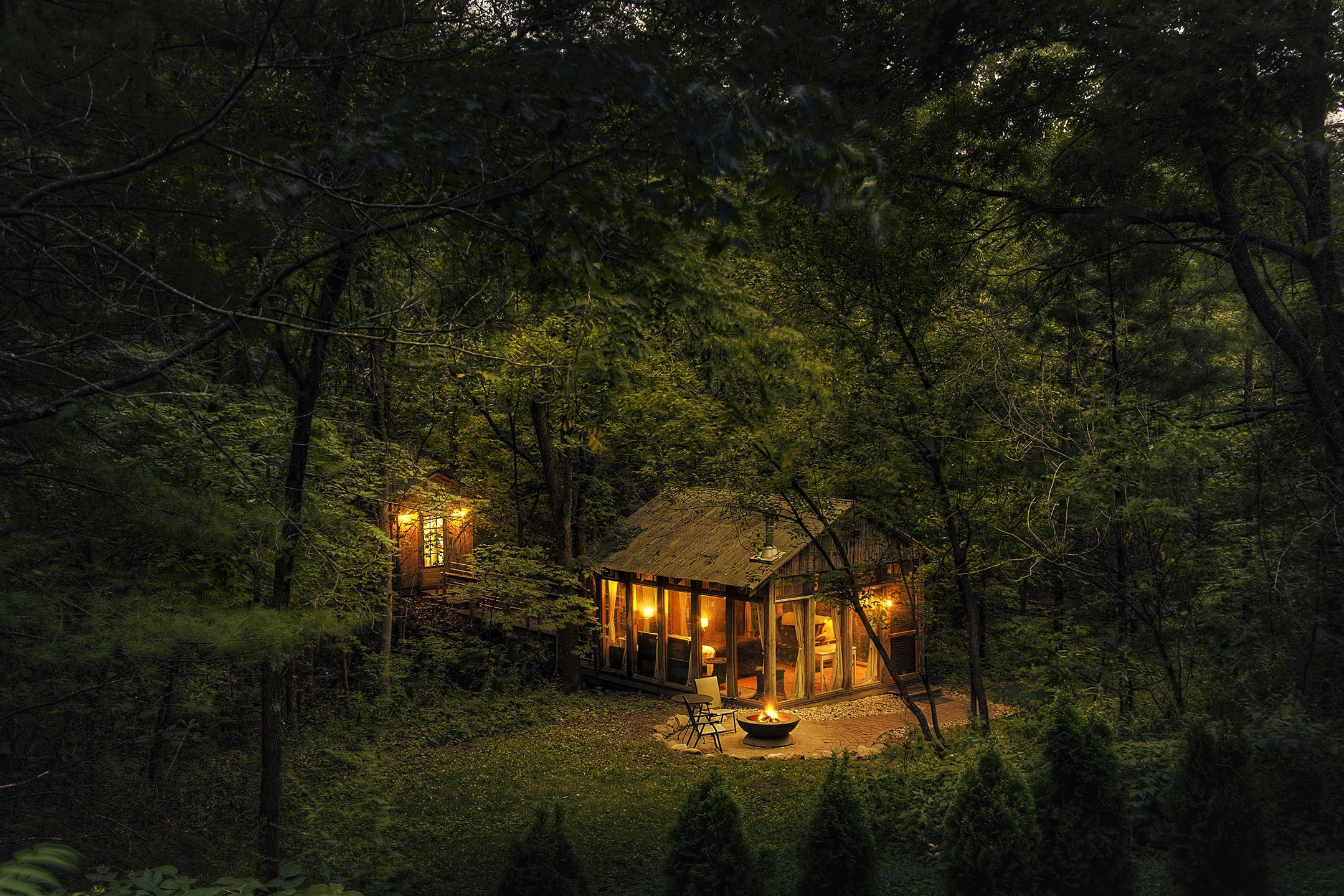 Cabin Forest Green Light Night Wood 2158x1439