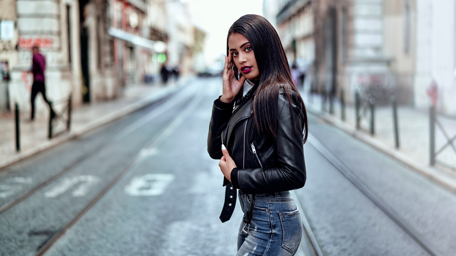 Woman Black Hair Lipstick Depth Of Field Leather Jacket 1921x1080