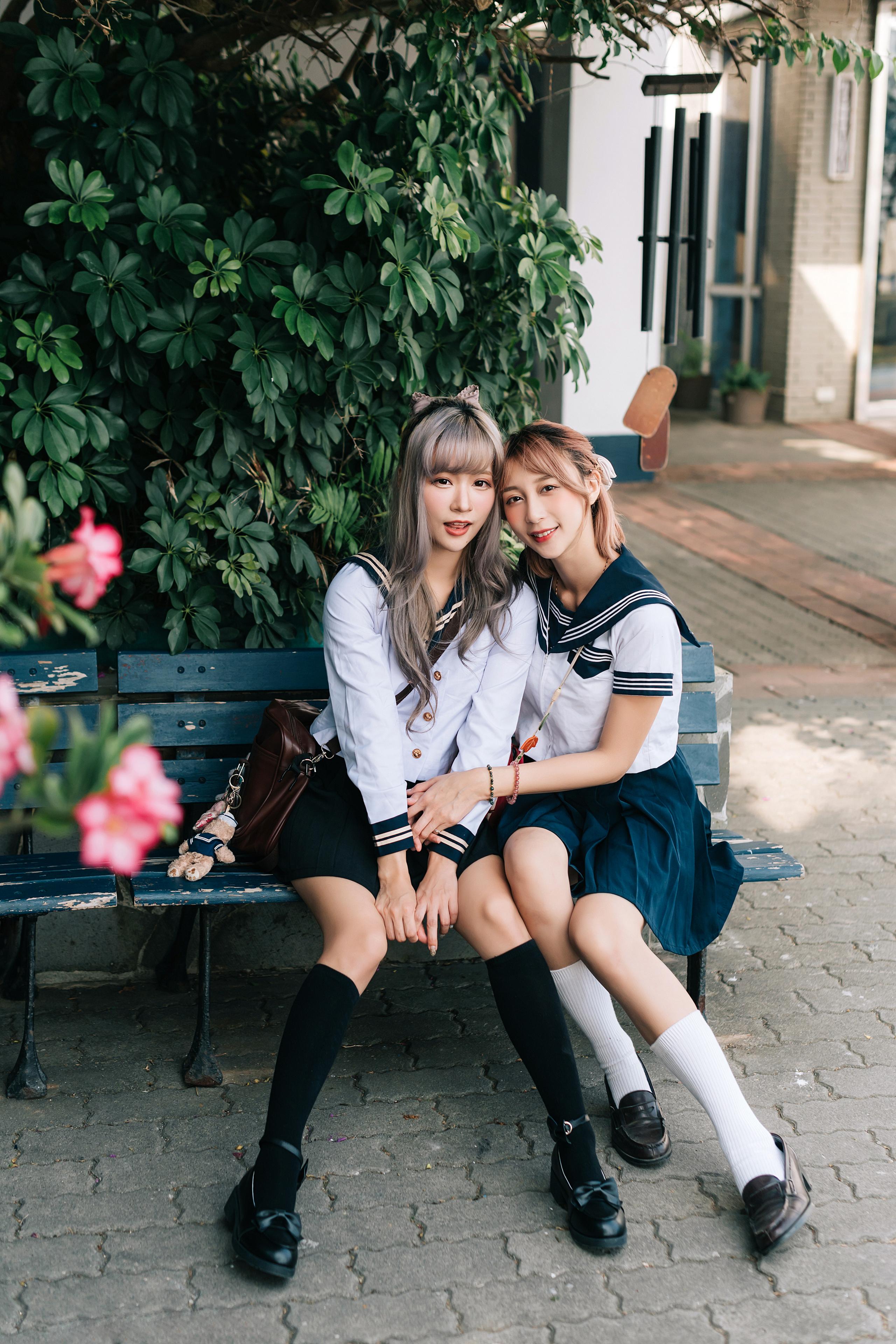 Asian Model Women Women Outdoors Dark Hair Long Hair Sitting Bench School Uniform Sailor Uniform Hai 2560x3840