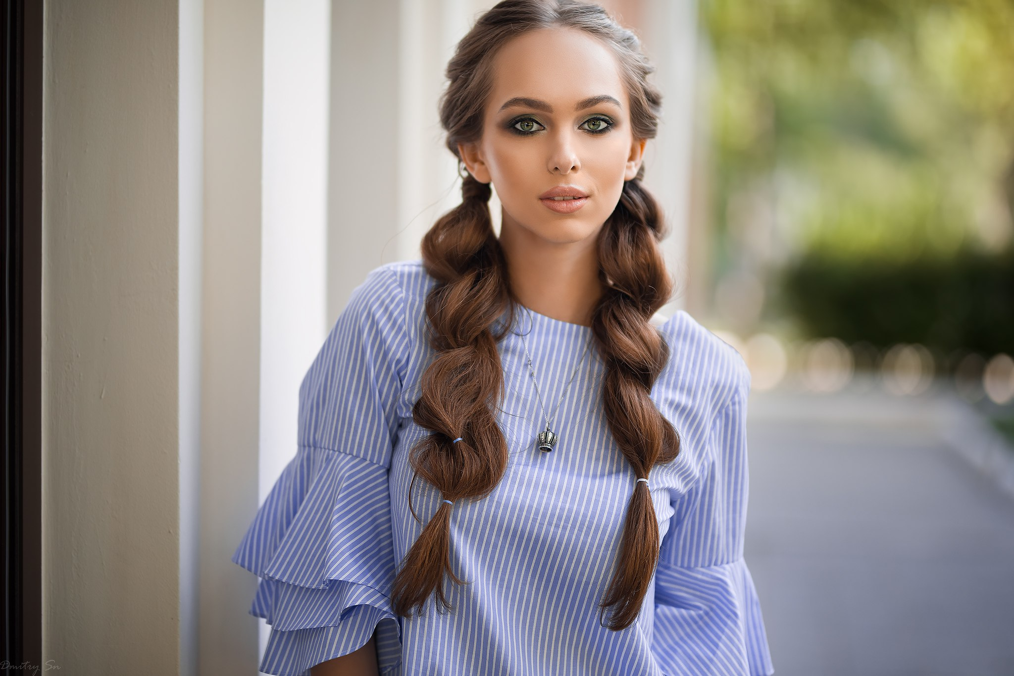 Long Hair Depth Of Field Brunette Braid Green Eyes 2048x1365