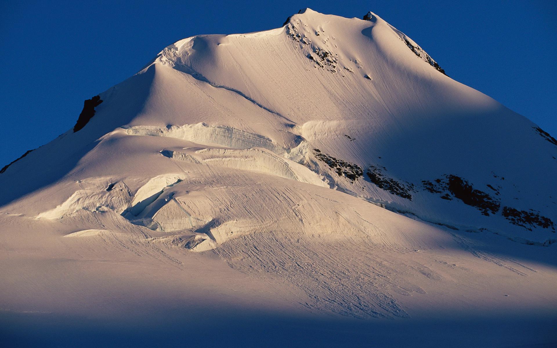 Earth Mountain 1920x1200