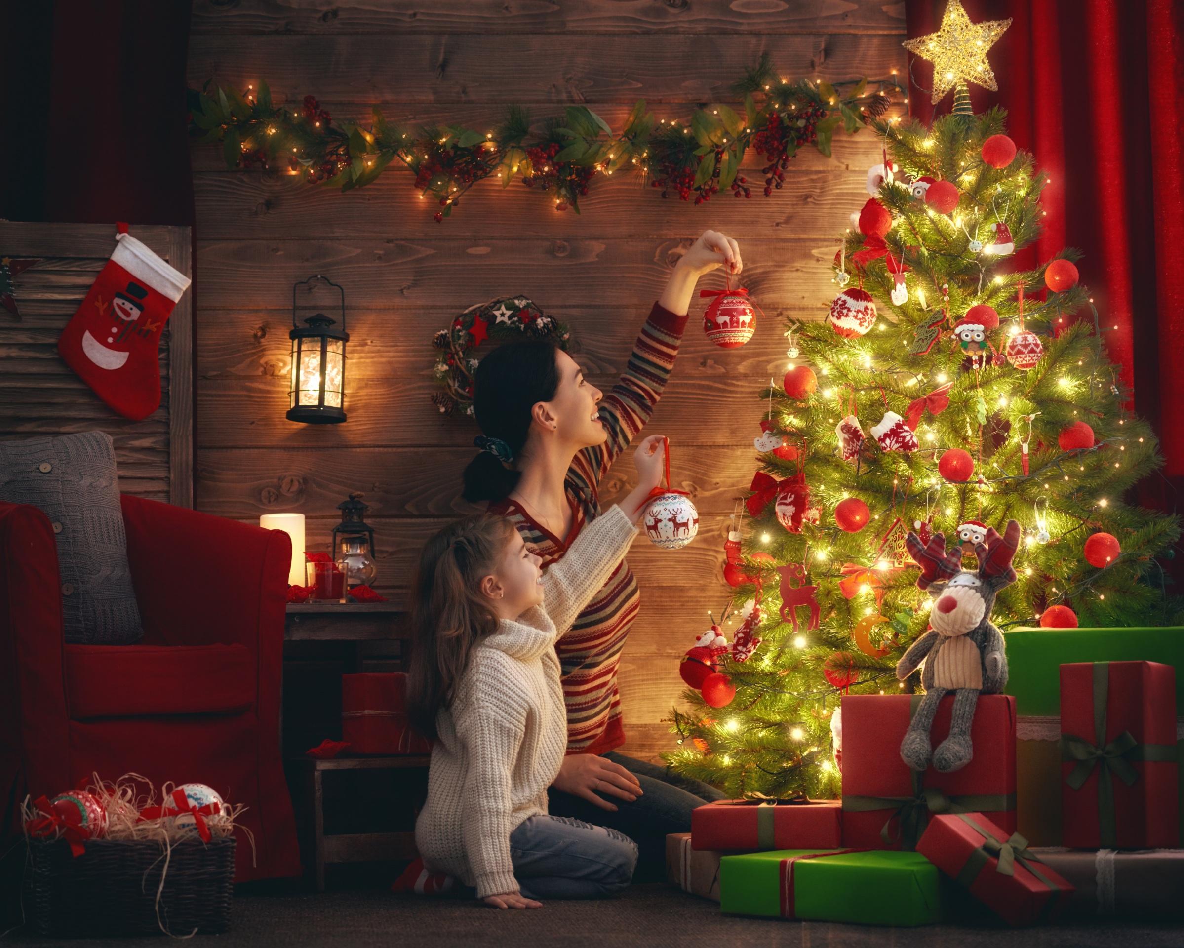 Christmas Lights Christmas Ornaments Christmas Tree Gift Girl Little Girl Woman 2398x1920