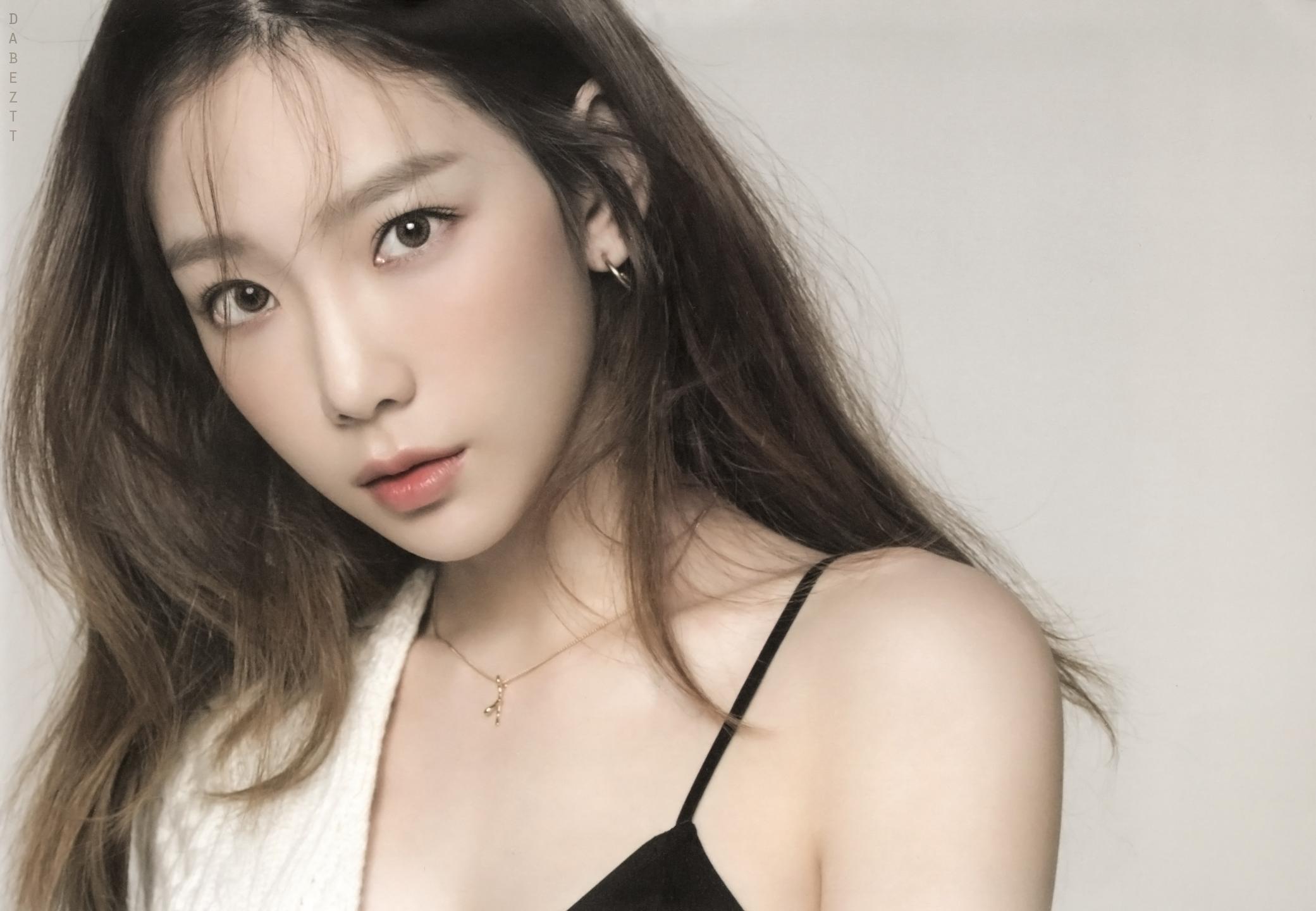SNSD Taeyeon Kim Taeyeon Girls Generation Asian K Pop Looking At Viewer 2081x1440