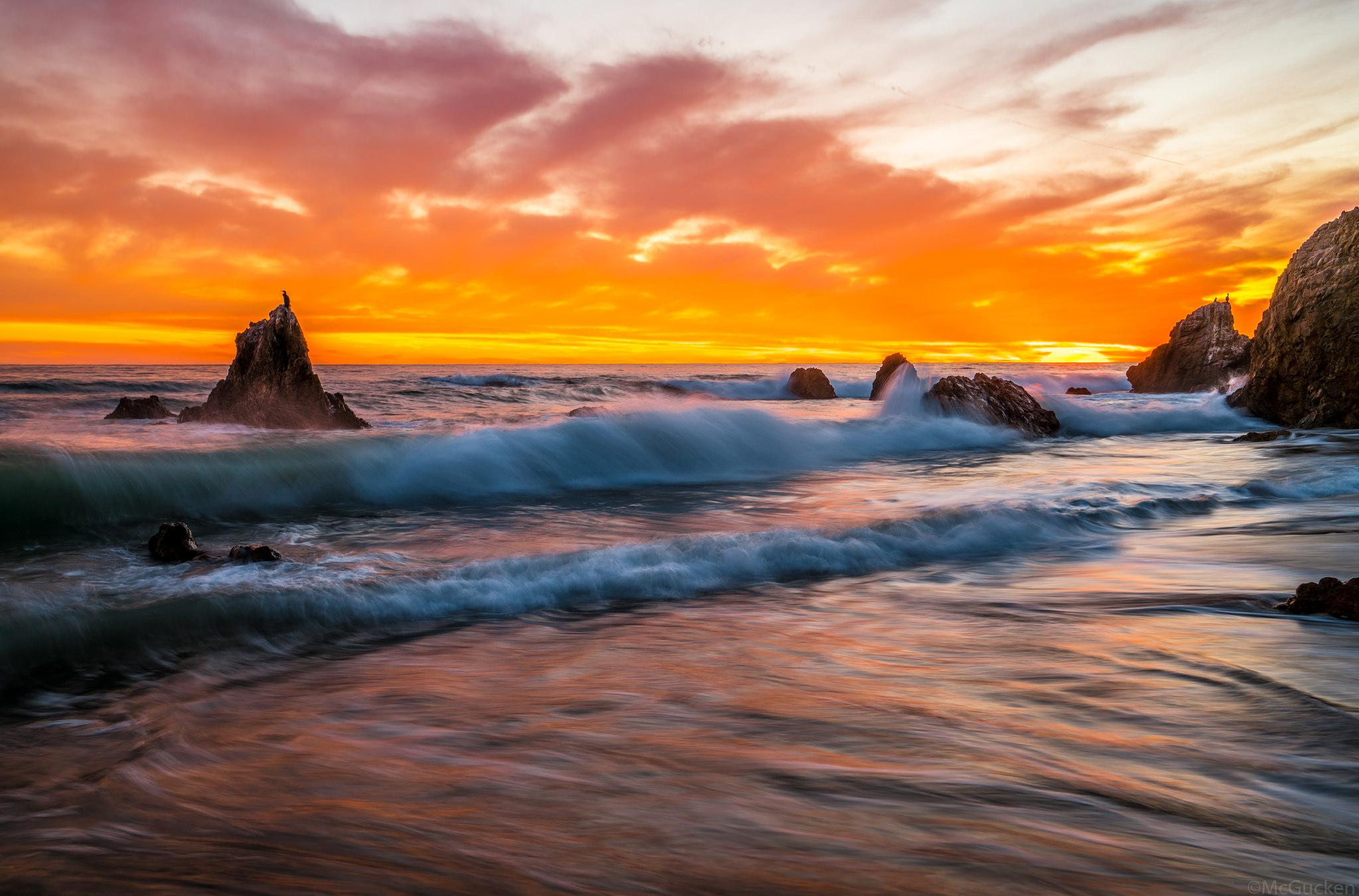 Rock Wave Sunset 2048x1351