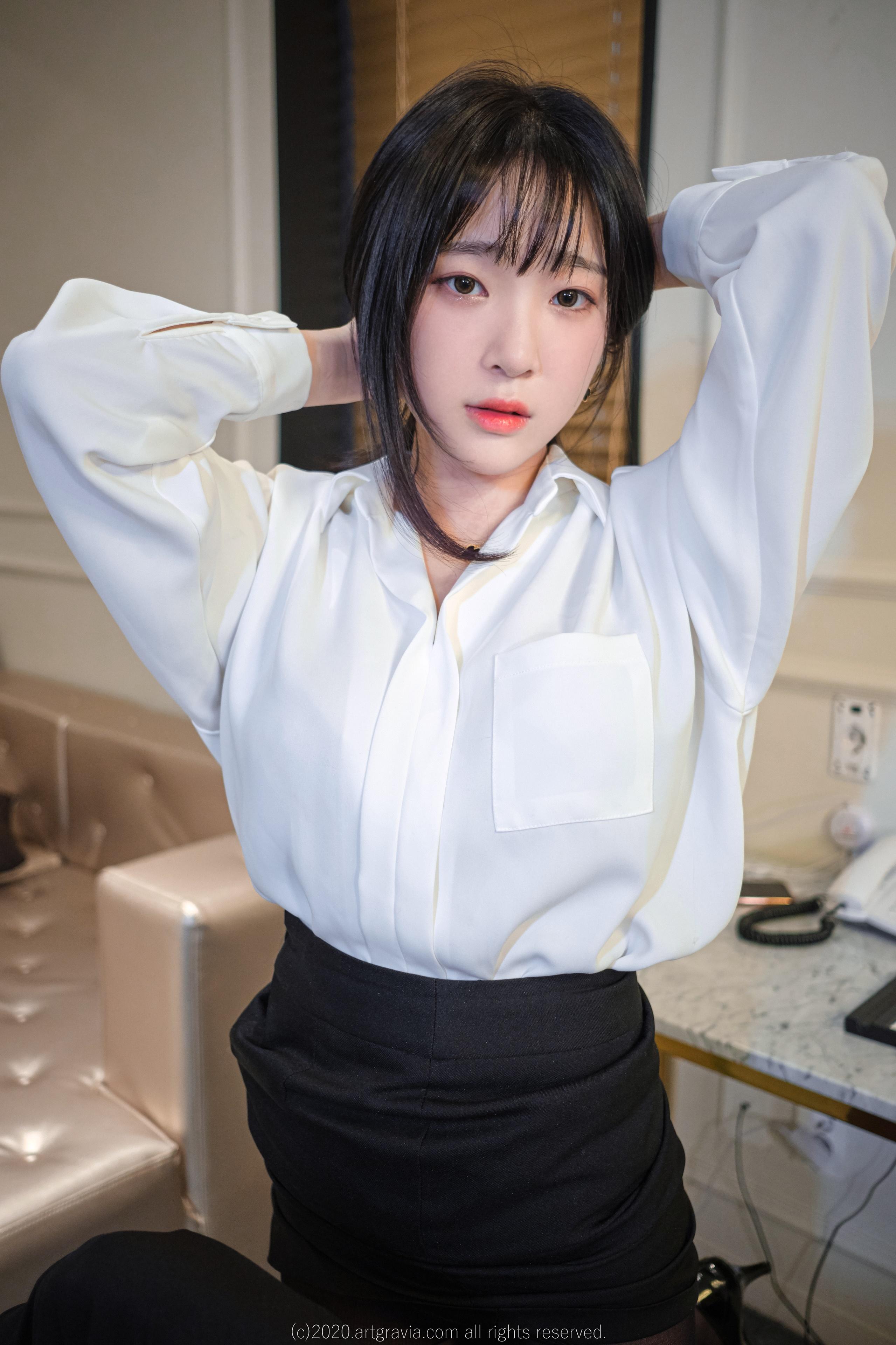 Korean Women Dark Hair Asian Women Women Indoors Looking At Viewer 2559x3840