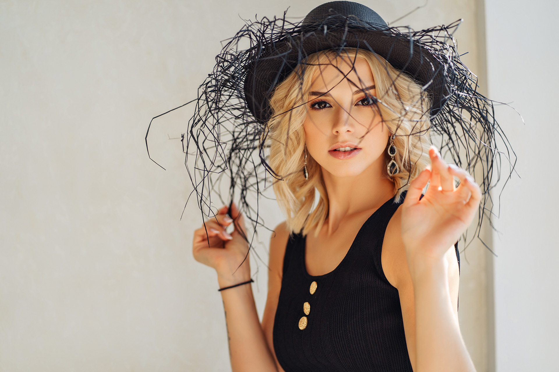 Angelina Aisman Max Klipa Women Model Blonde Hat Parted Lips Black Top Bare Shoulders Women Indoors  1920x1280