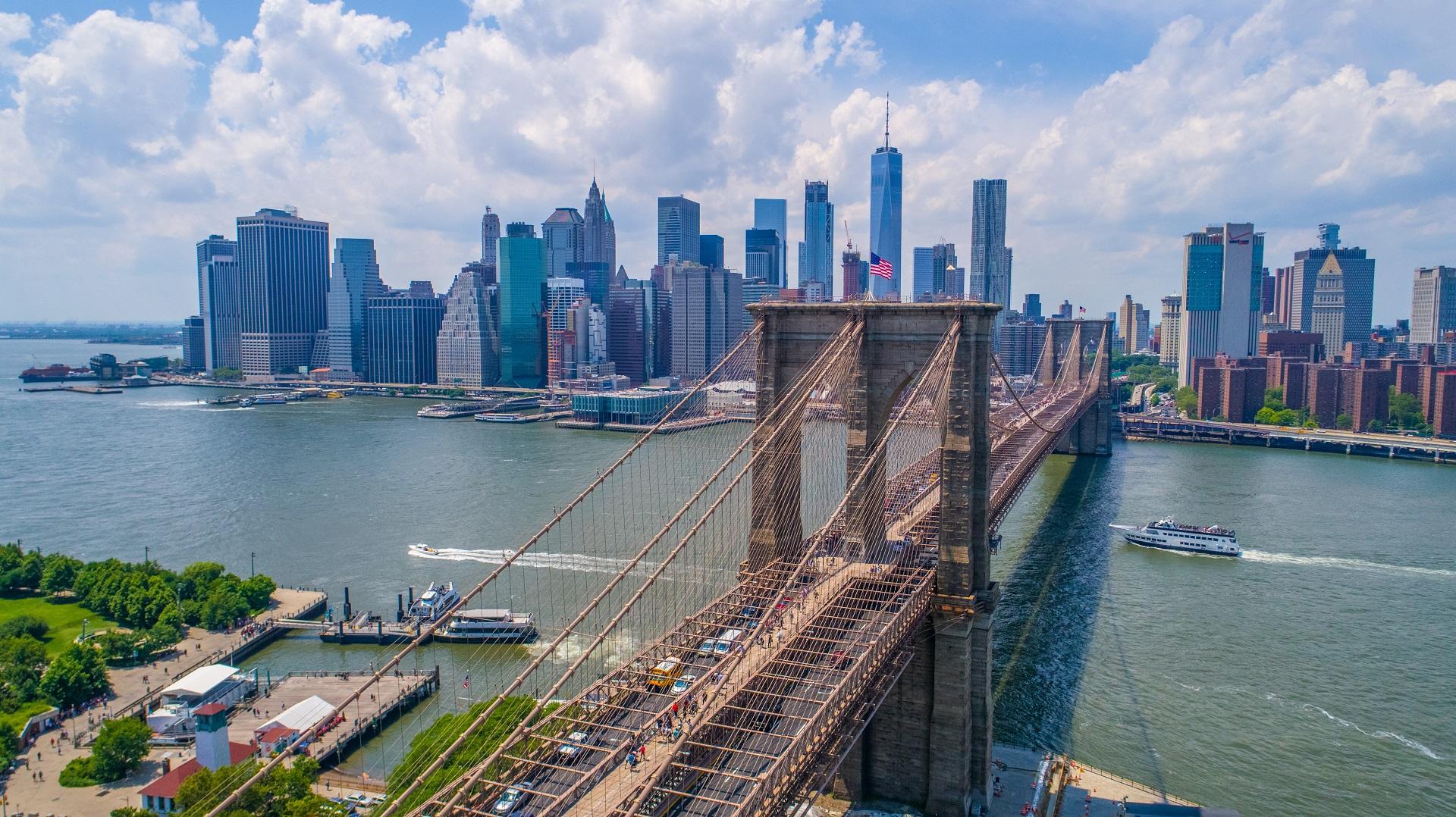 Cityscape Bridge Brooklyn Bridge Architecture Skyscraper River Cruise Ship Speed Boat American Flag  1920x1078