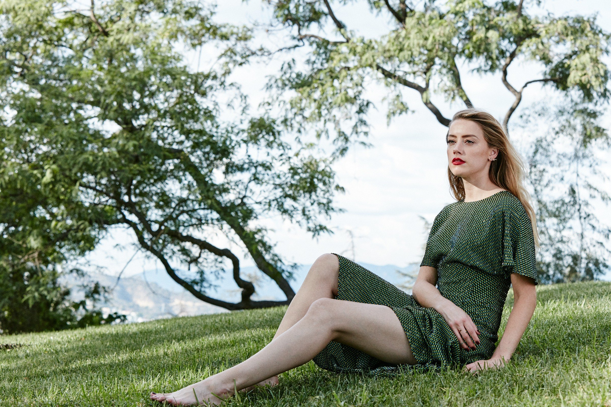 Actress American Green Eyes Depth Of Field Blonde Lipstick 2400x1600