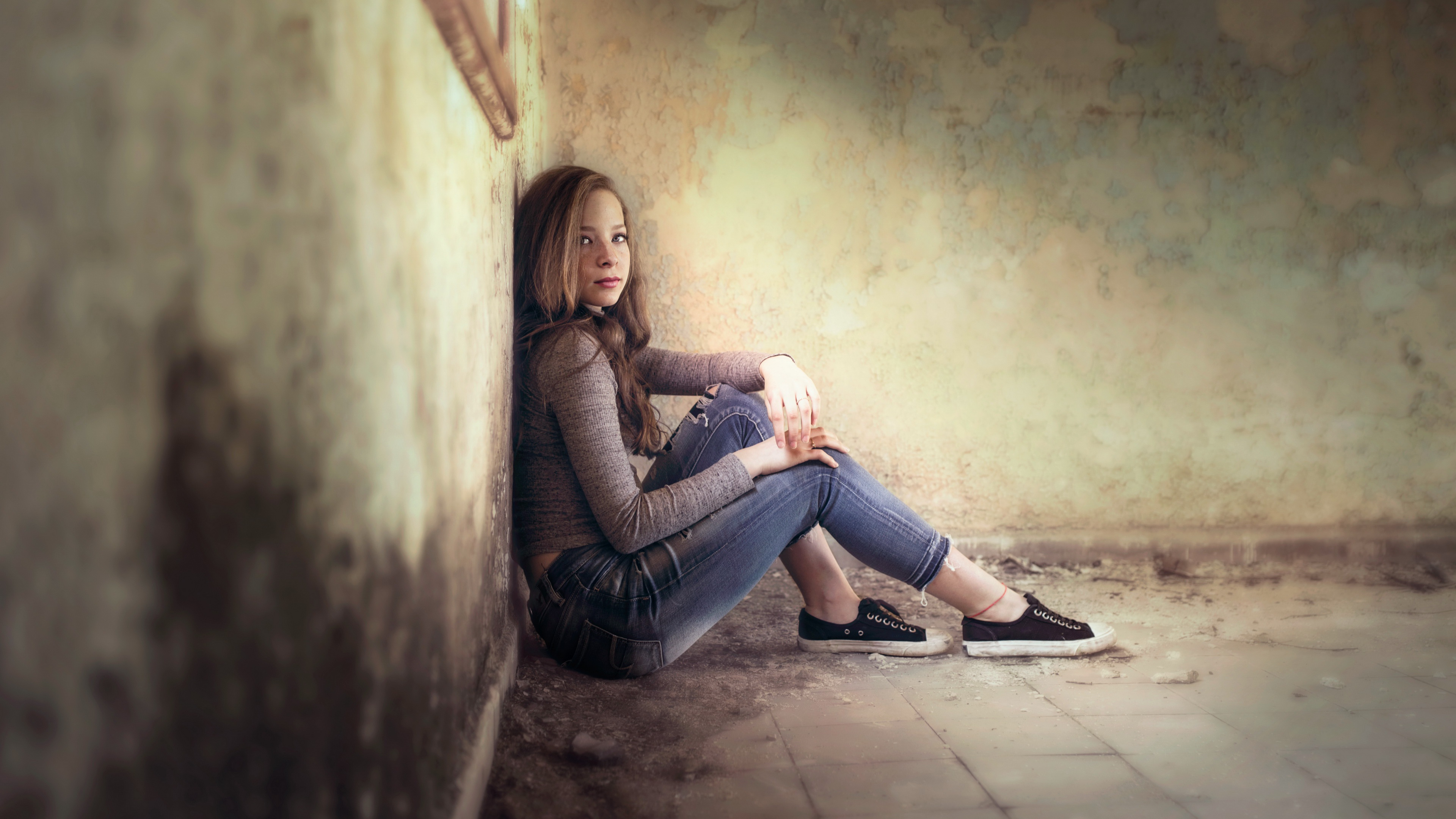 Women Model Indoors Women Indoors Sitting Abandoned Looking At Viewer Brunette Jeans Sneakers 3840x2160