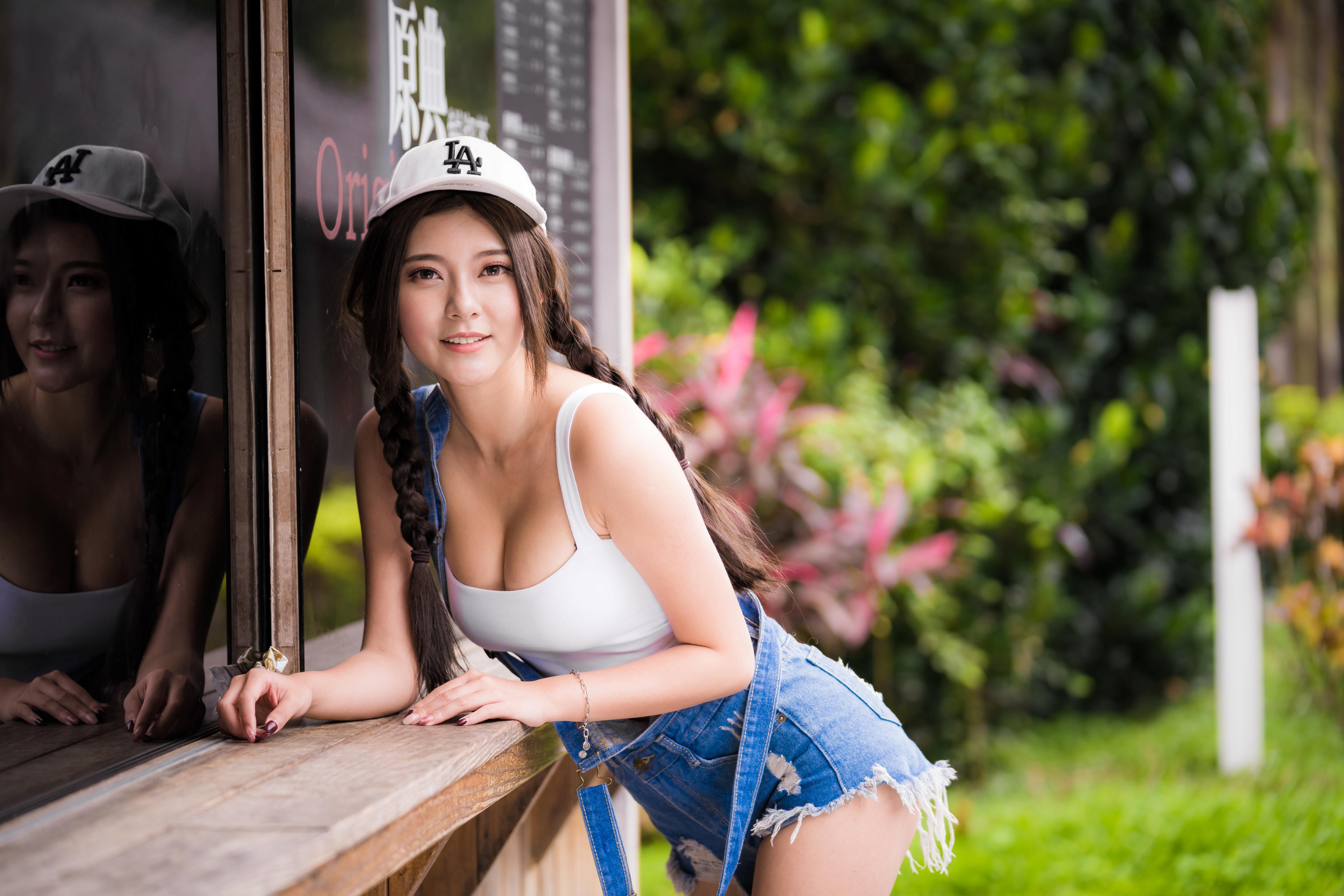 Women Model Asian Brunette Baseball Caps Braids Braided Hair White Tops Overalls Torn Clothes Denim  5000x3333