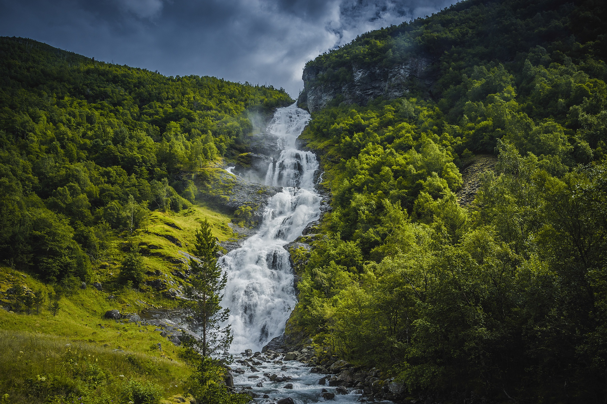 Forest Greenery Nature Waterfall 2048x1365