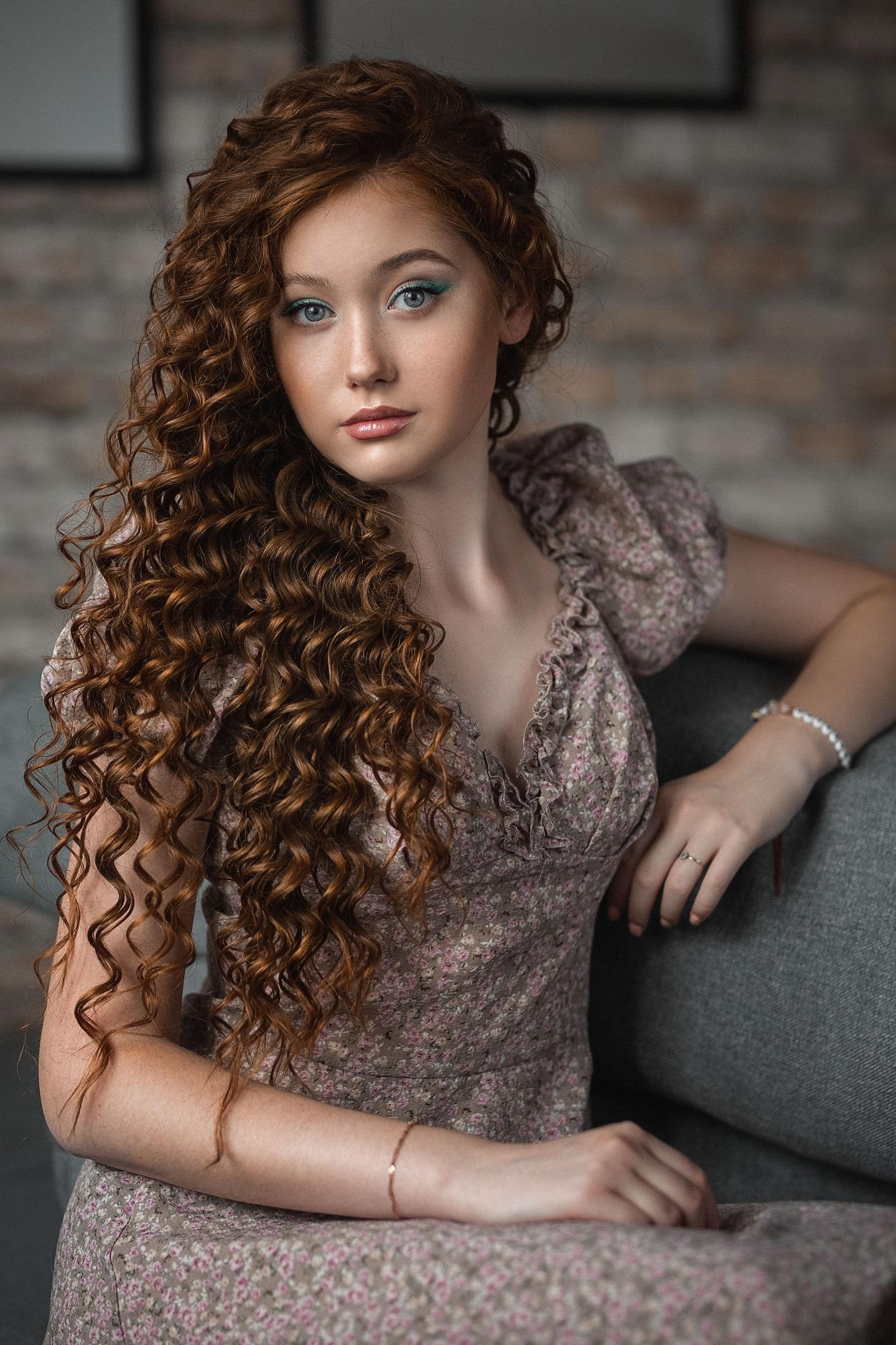Vladimir Vasilev Women Brunette Long Hair Curly Hair Makeup Eyeshadow Dress Brown Clothing Couch Ind 1440x2160
