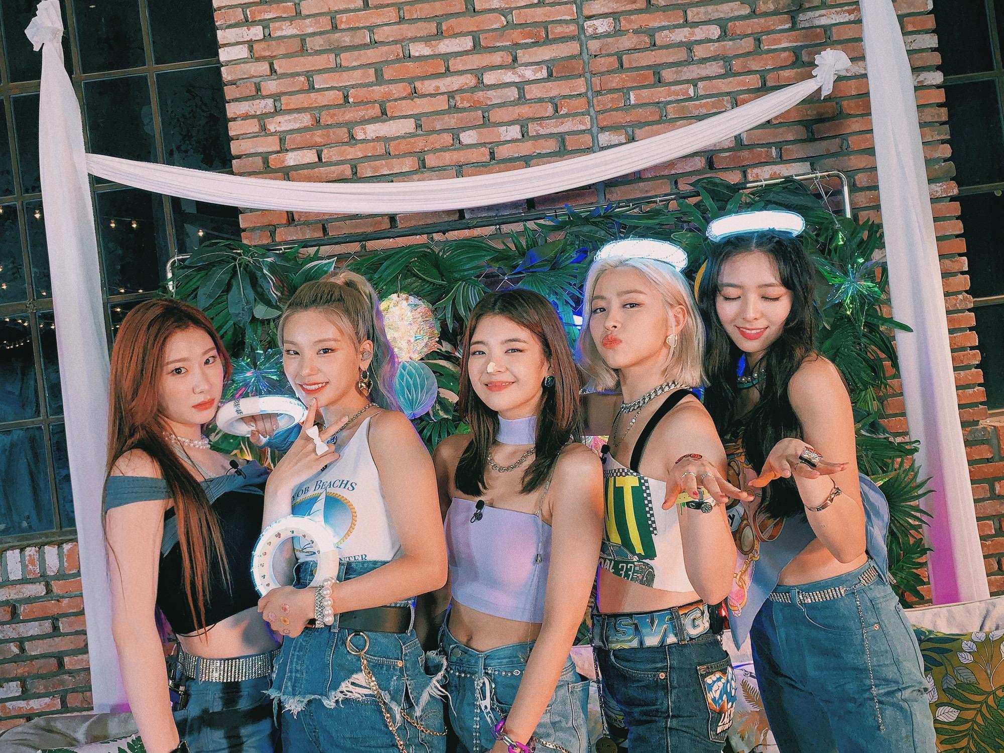 Itzy K Pop Girl Band Korean Women Asian 2000x1500