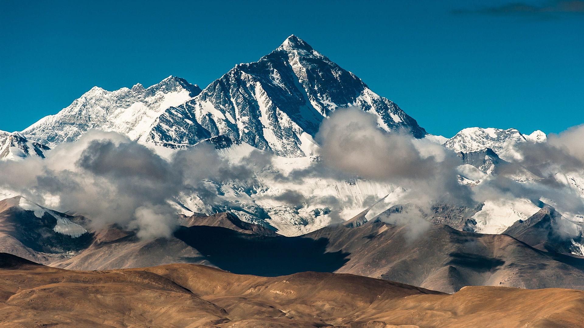 Mount Everest China Snowy Peak Landscape Takayama Clouds 1920x1080