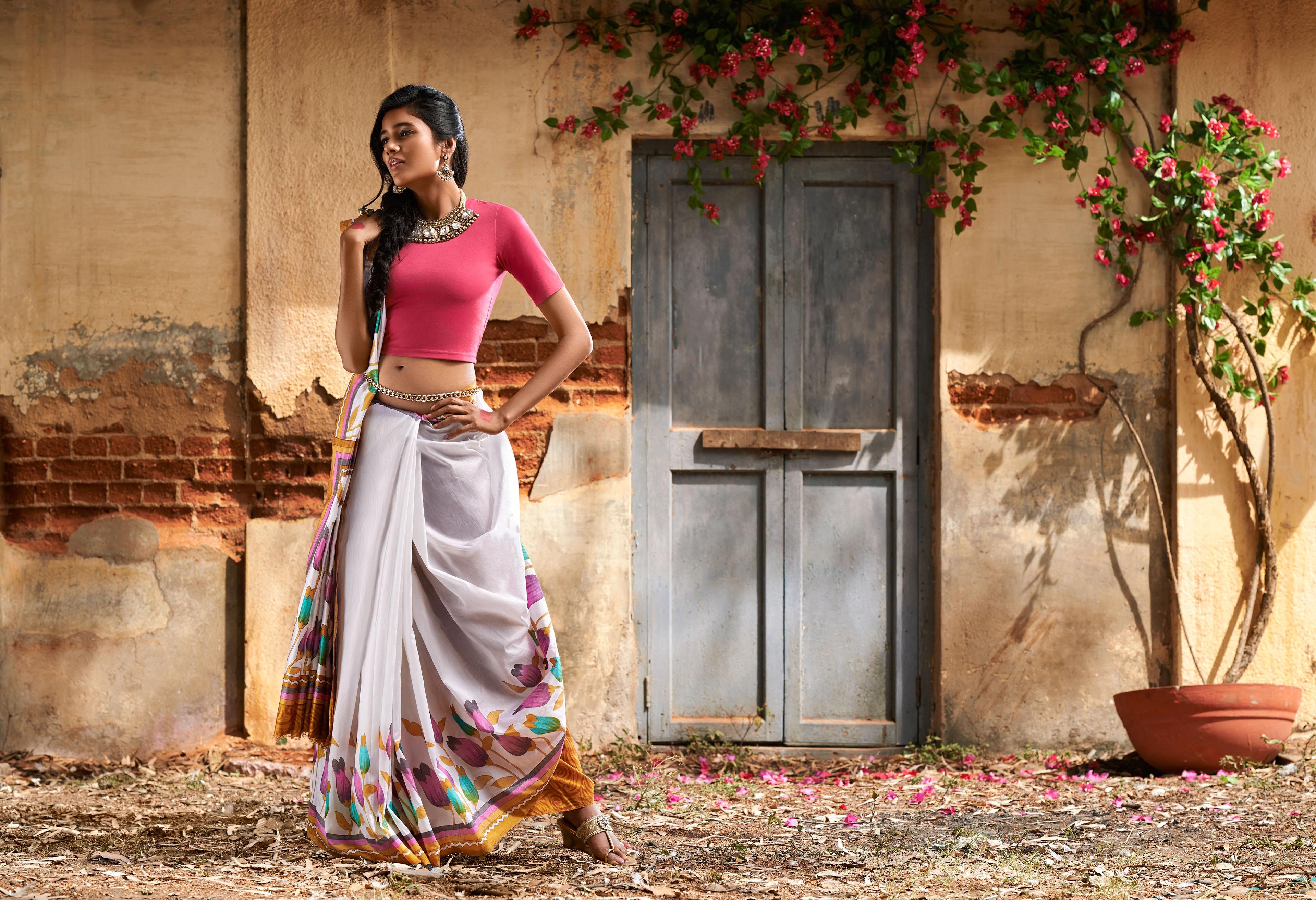 Long Hair Indian Woman Saree 3840x2627