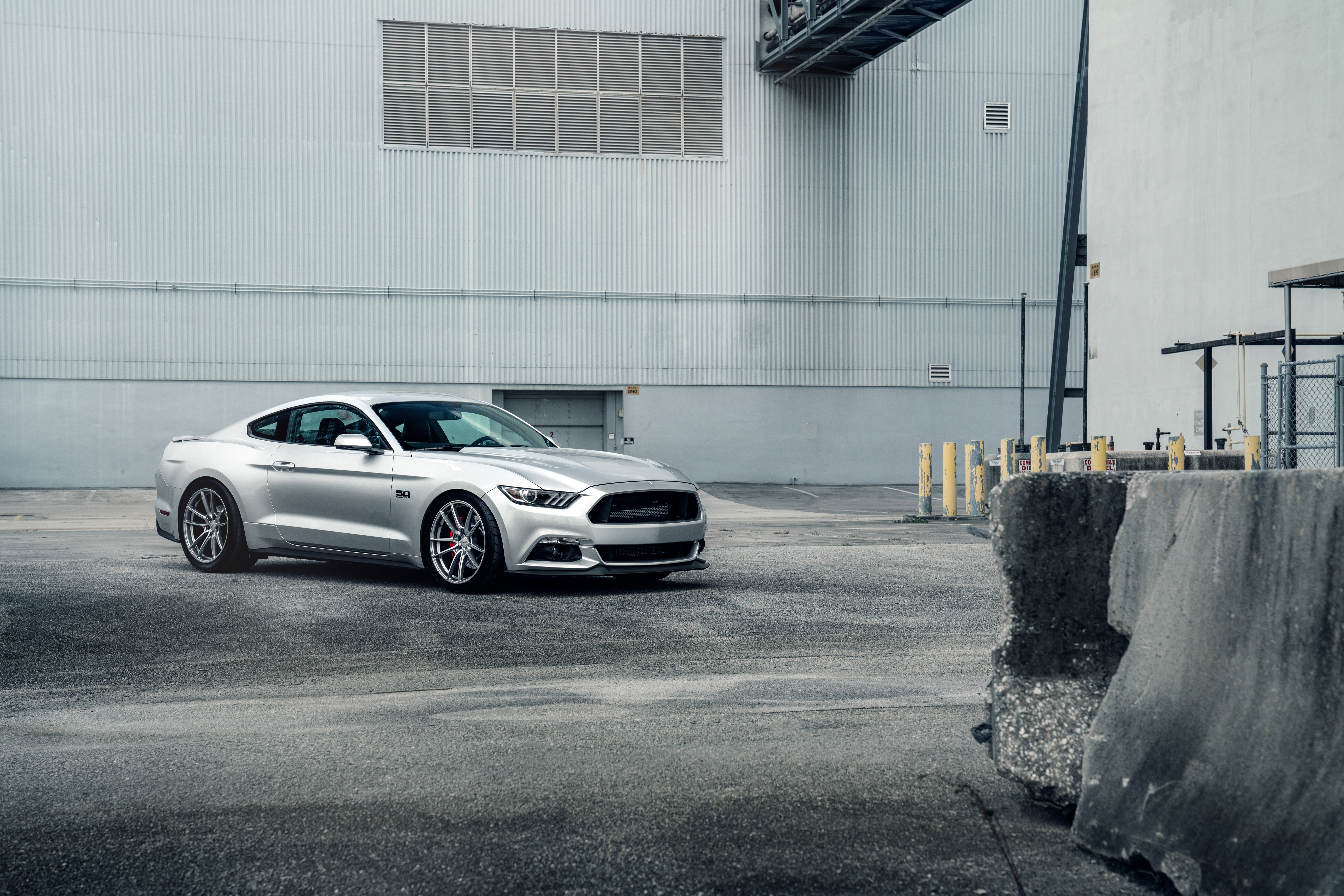 Ford Mustang 7830x5221