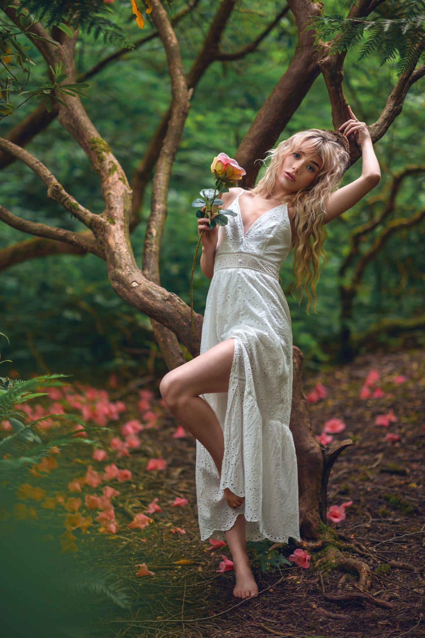 Women Model Women Outdoors Looking At Viewer Barefoot Trees Legs Leg Up Blonde Long Hair Dress White 1363x2048