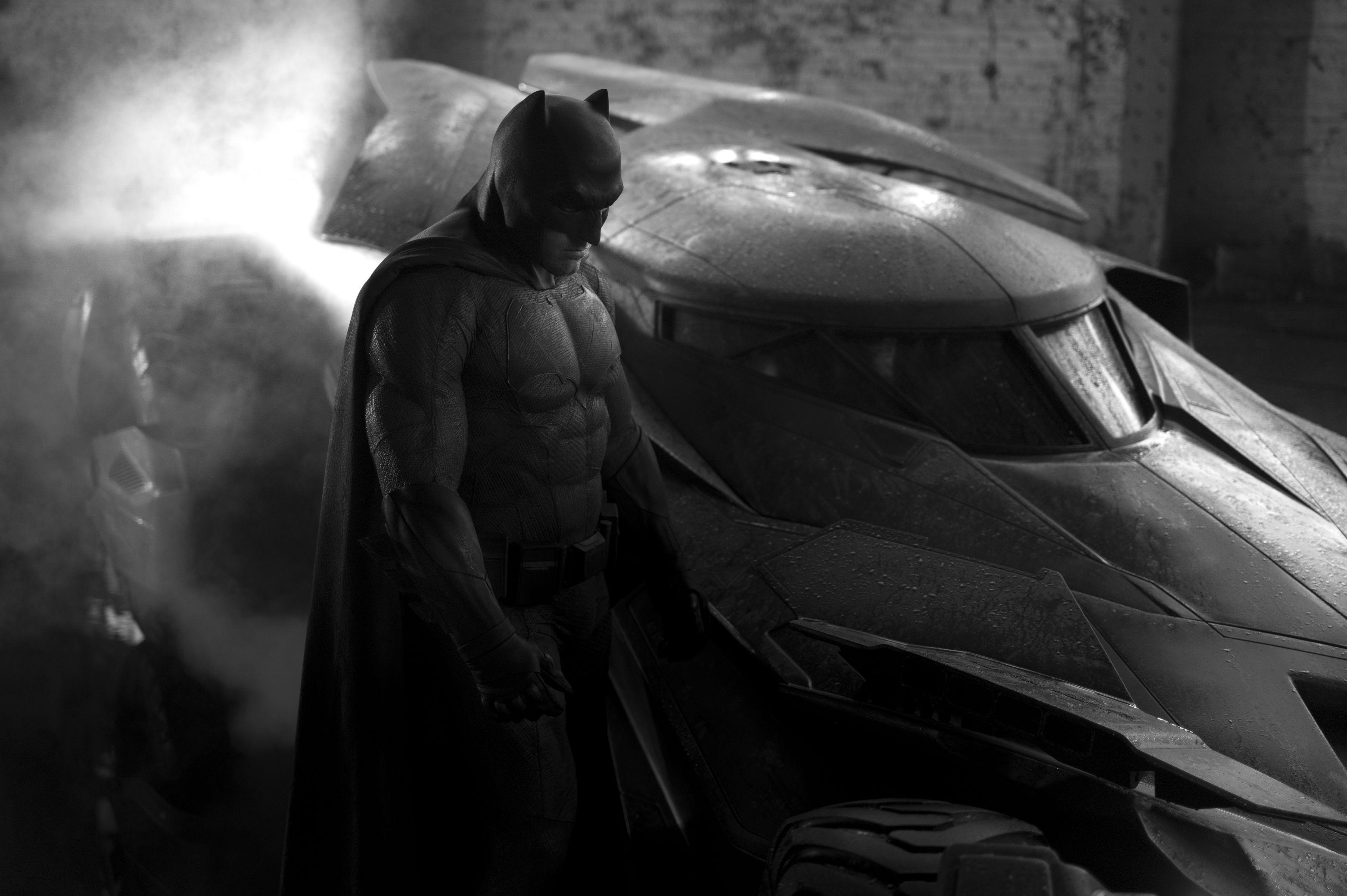 Batman Batmobile 3127x2080