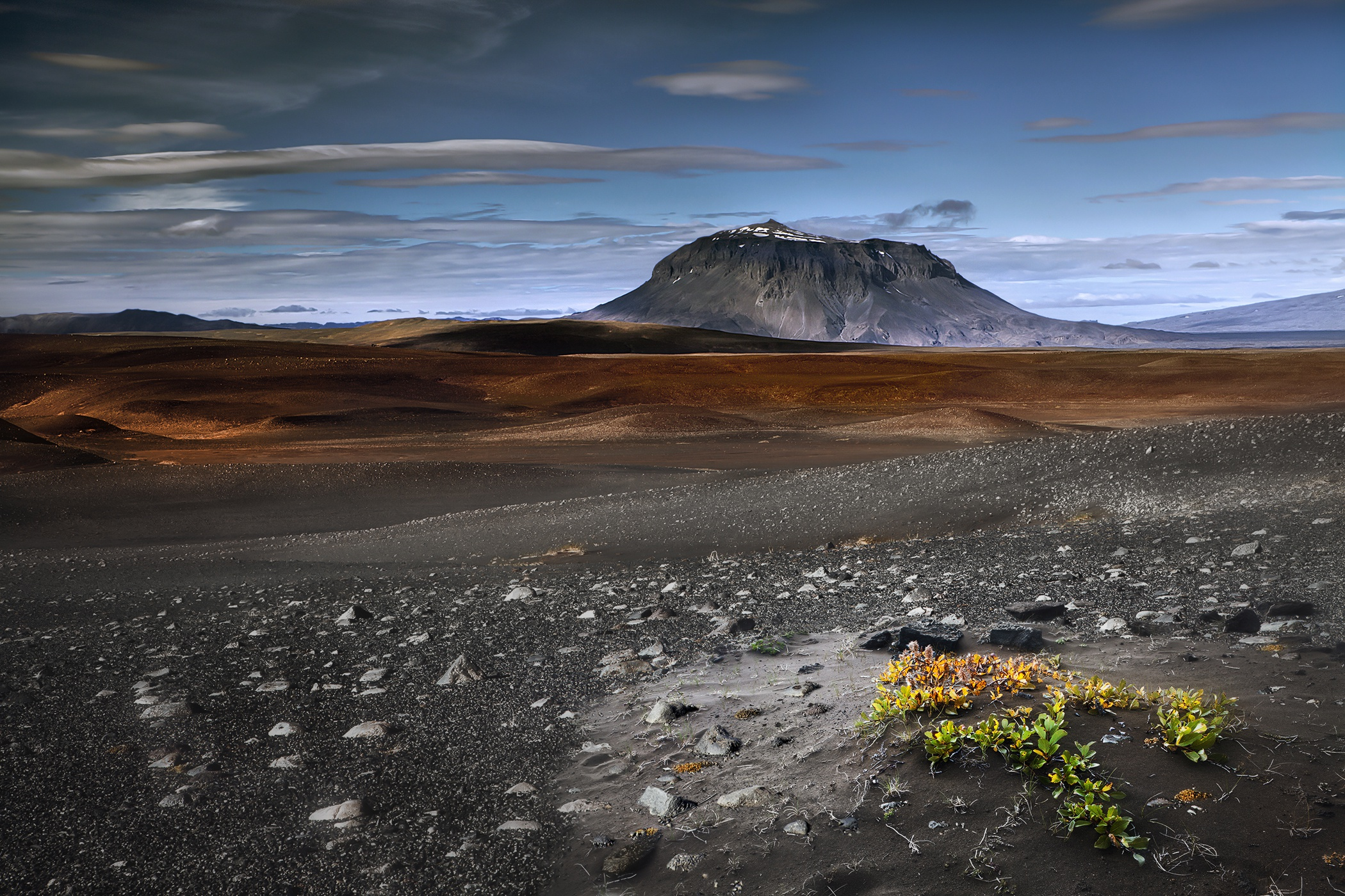 Iceland Volcano Landscape Nature 2100x1400