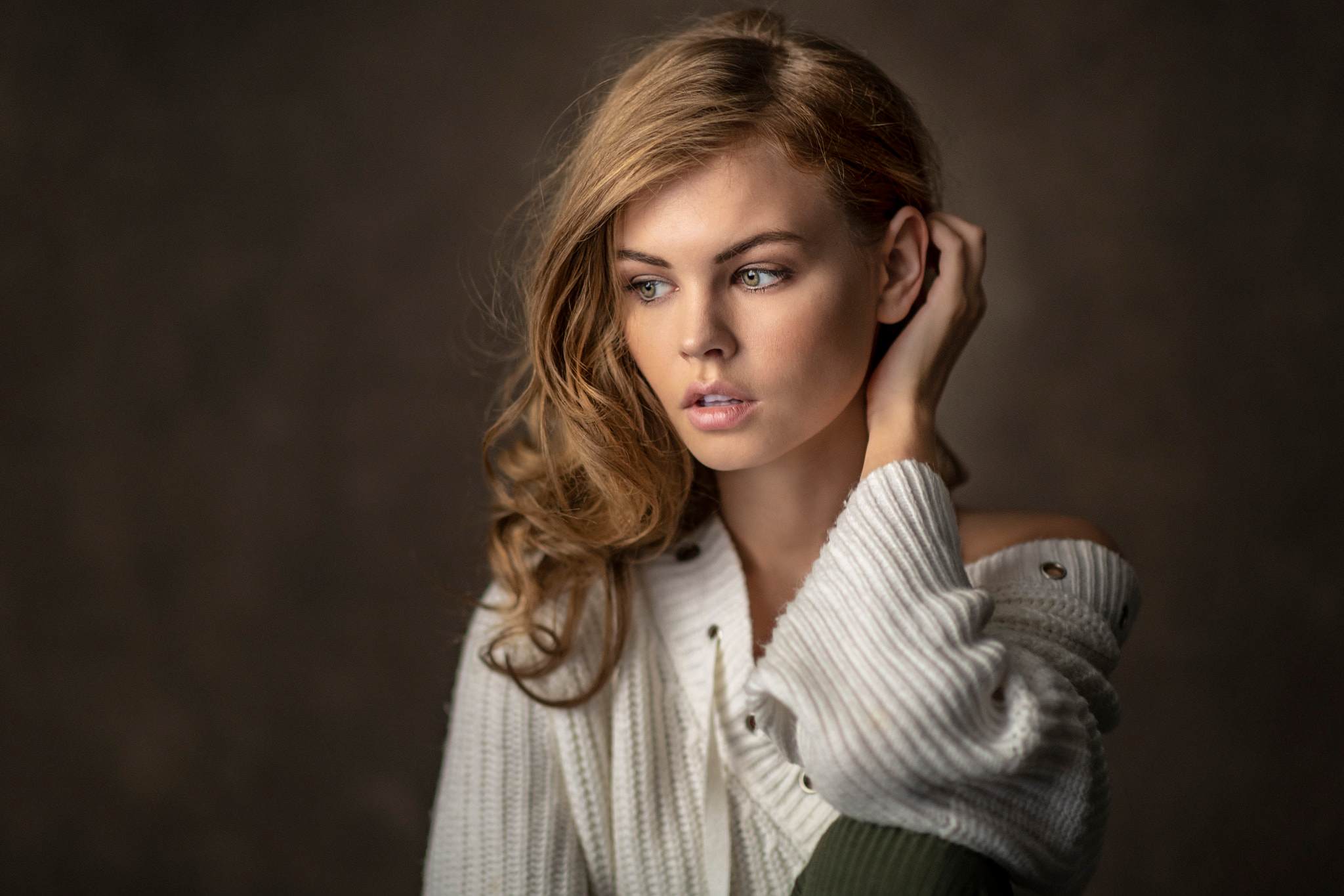 Women Blonde Portrait Pink Lipstick Long Hair Women Indoors Looking Away 2048x1365